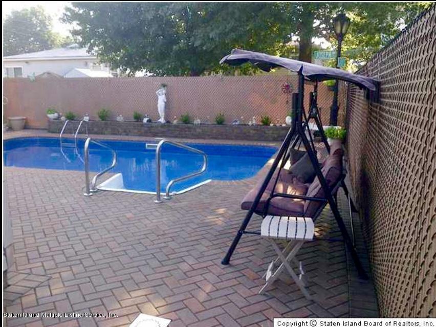 Single Family - Detached 105 Bartlett Avenue  Staten Island, NY 10312, MLS-1122971-34