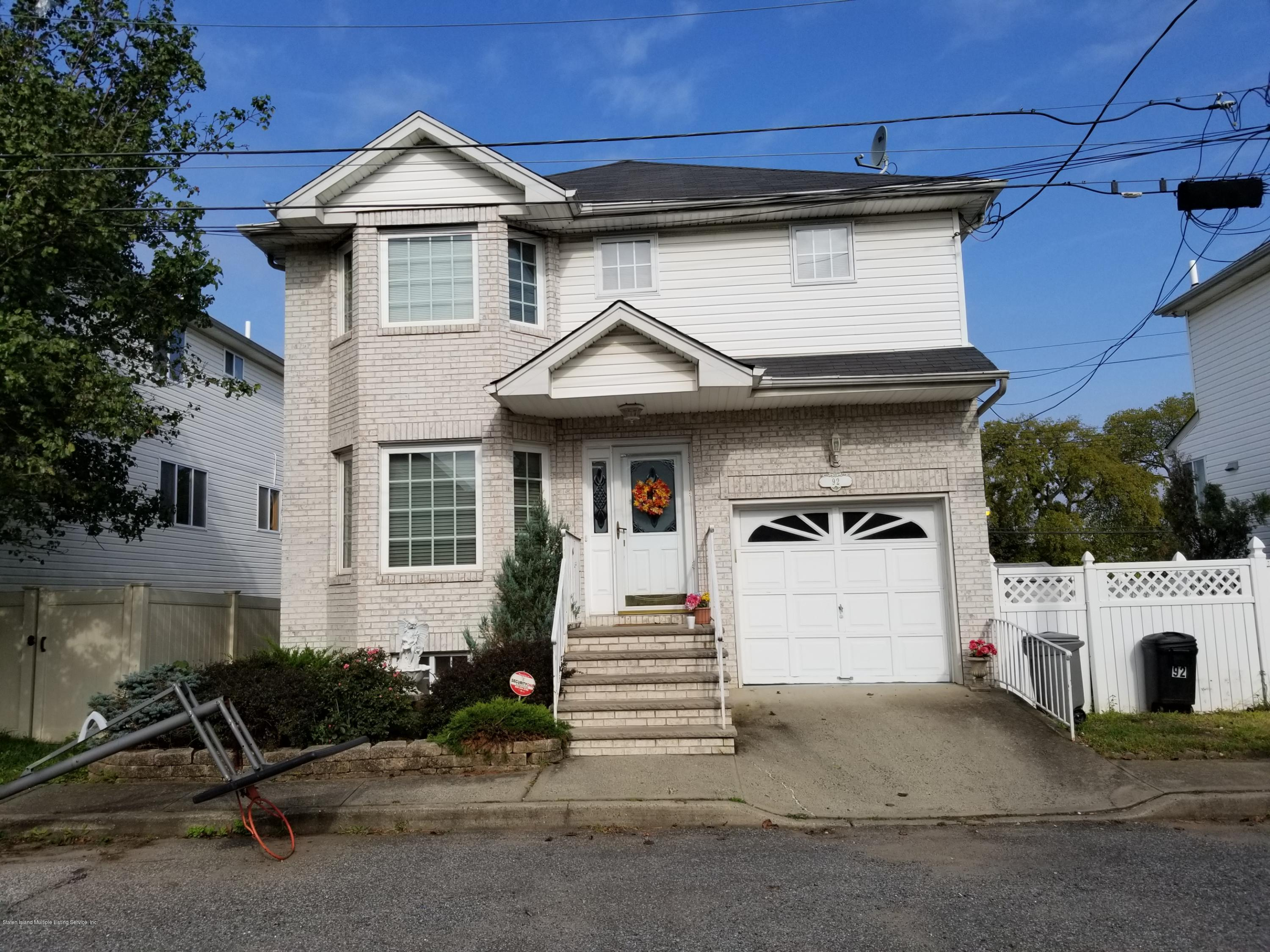 Single Family - Detached in Tottenville - 92 Meagan Loop  Staten Island, NY 10307