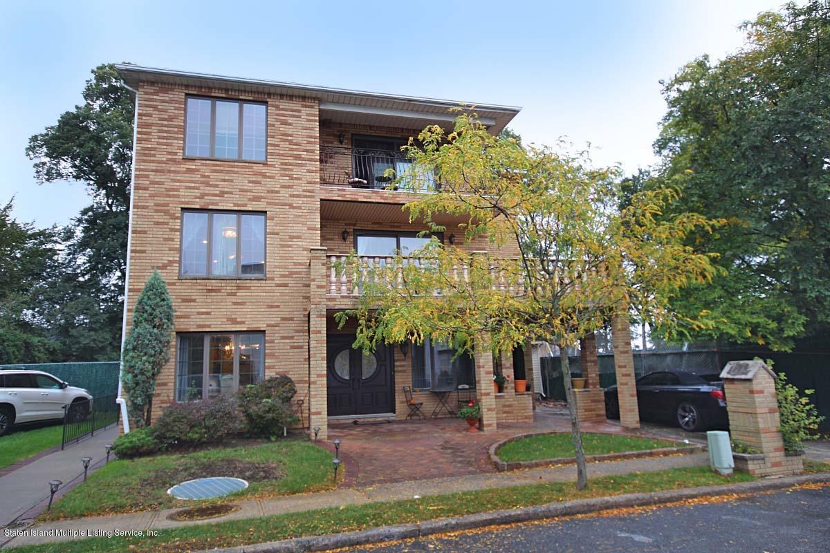 Two Family - Detached in S.E. Annadale - 132 Mayberry Promenade   Staten Island, NY 10312