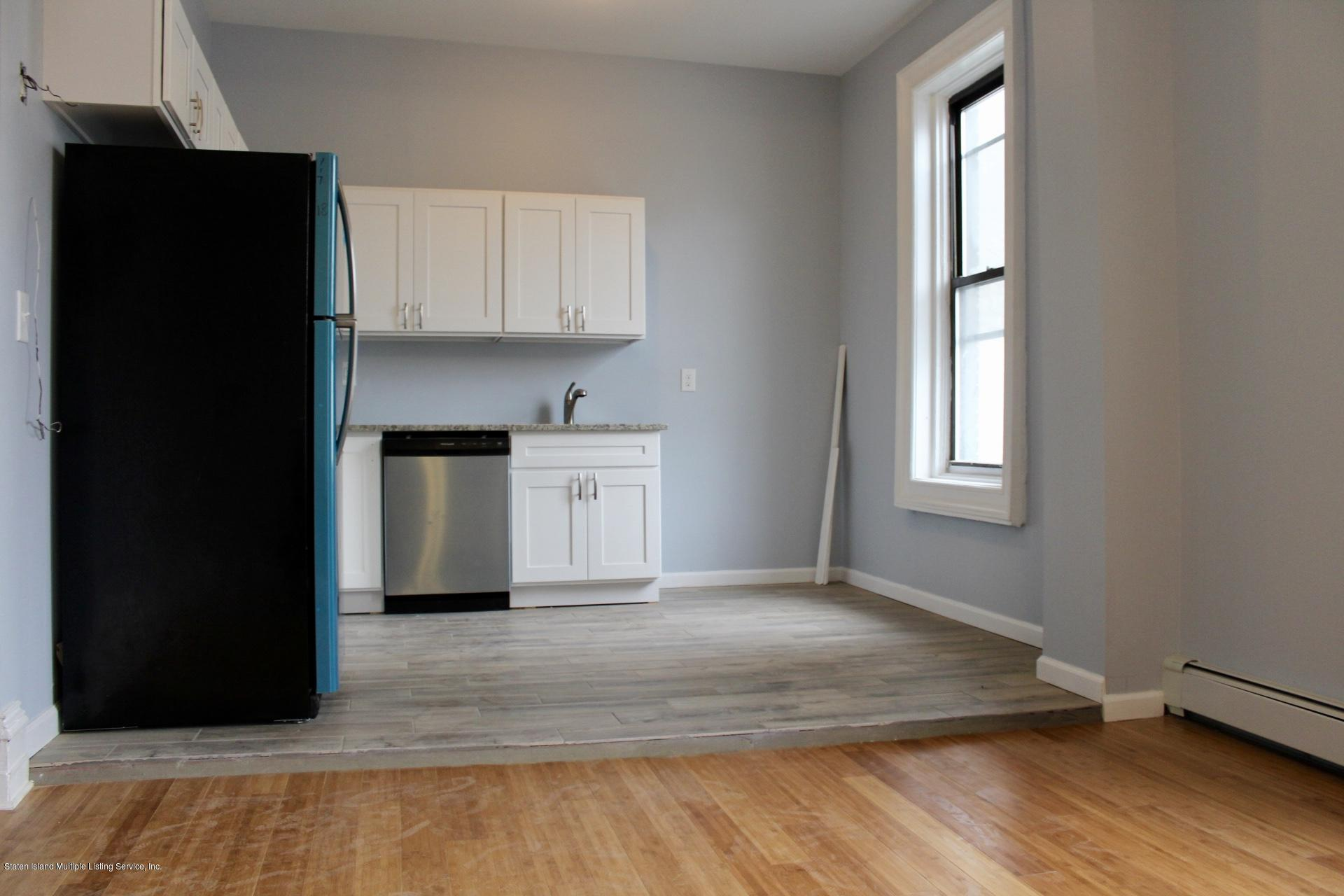1 7 Beach Street,Staten Island,New York,10304,United States,3 Bedrooms Bedrooms,6 Rooms Rooms,1 BathroomBathrooms,Res-Rental,Beach,1122929