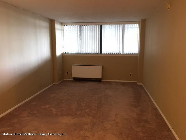 305 755 Narrows Rd N Road,Staten Island,New York,10304,United States,2 Rooms Rooms,1 BathroomBathrooms,Res-Rental,Narrows Rd N,1123768