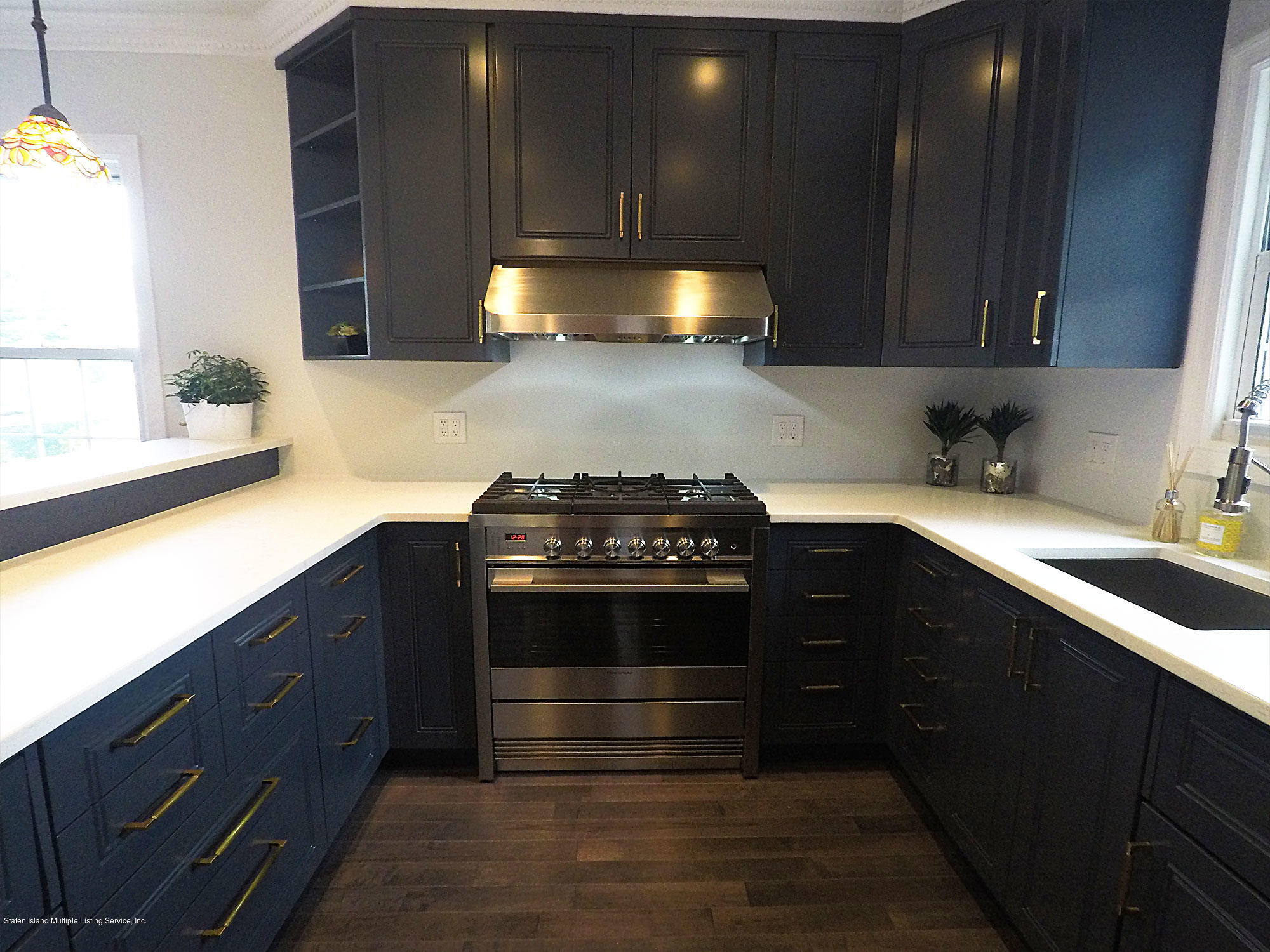 Single Family - Detached in Westerleigh - 115 Woodbine Avenue  Staten Island, NY 10314