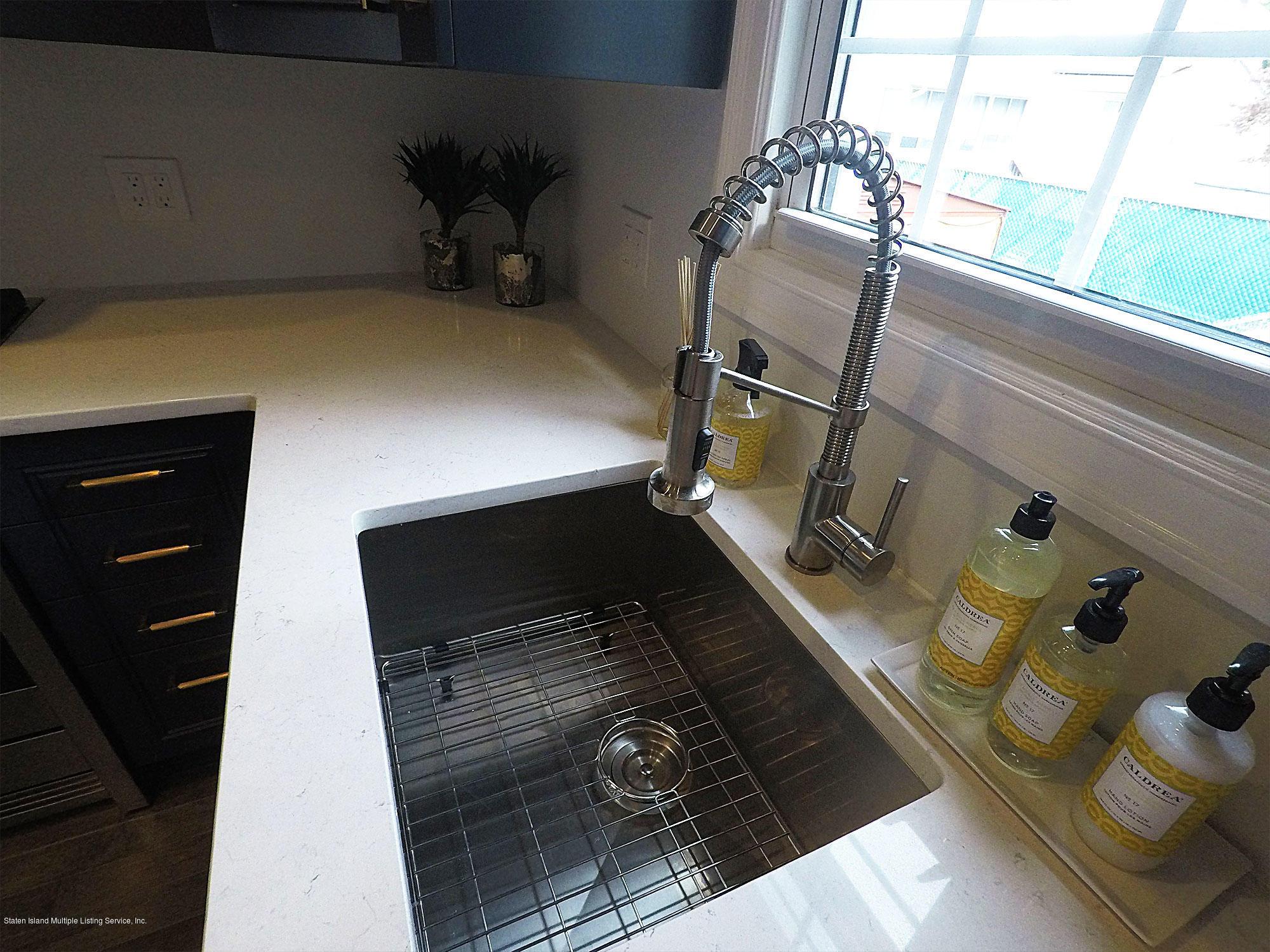 Single Family - Detached 115 Woodbine Avenue  Staten Island, NY 10314, MLS-1123689-14