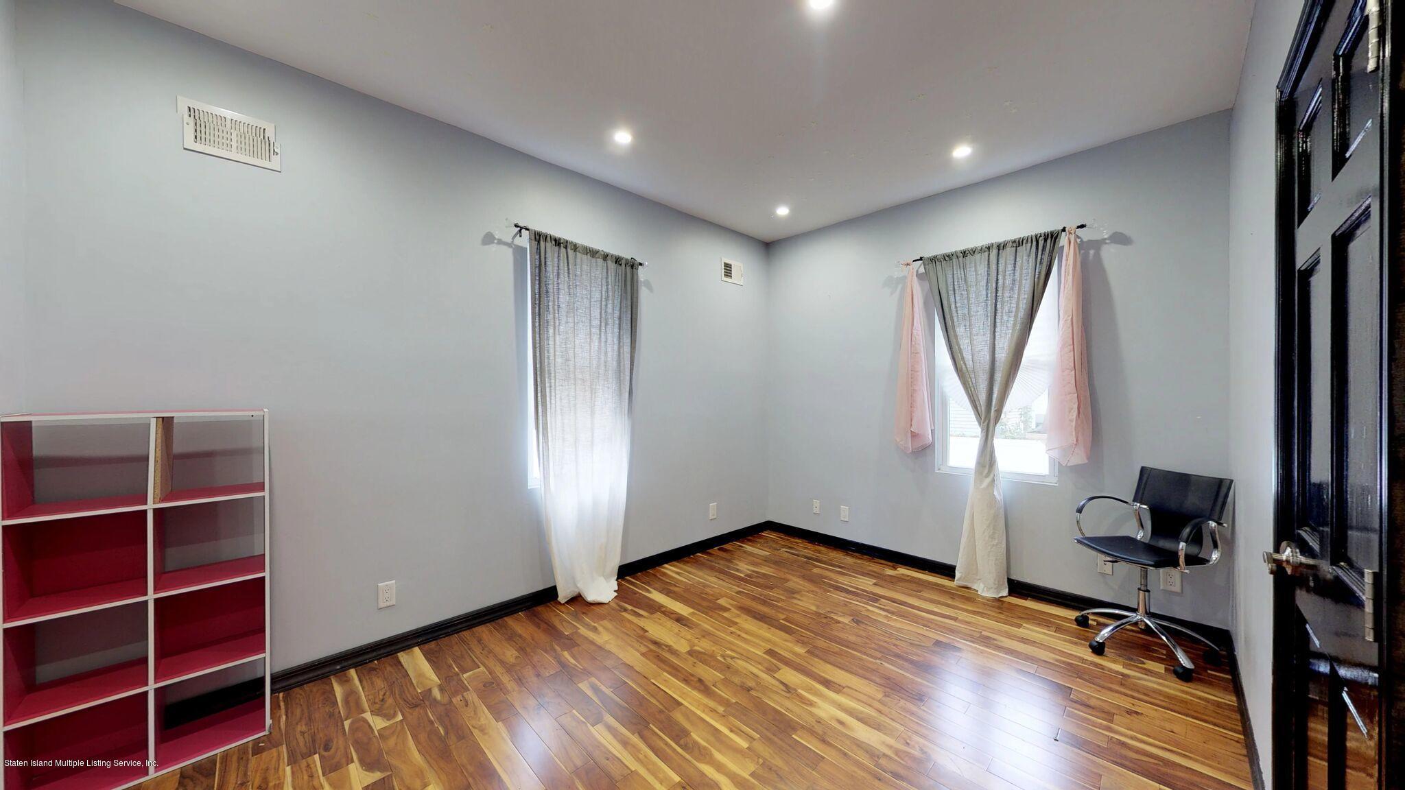 Single Family - Detached 128 Pelton Avenue  Staten Island, NY 10310, MLS-1124023-20