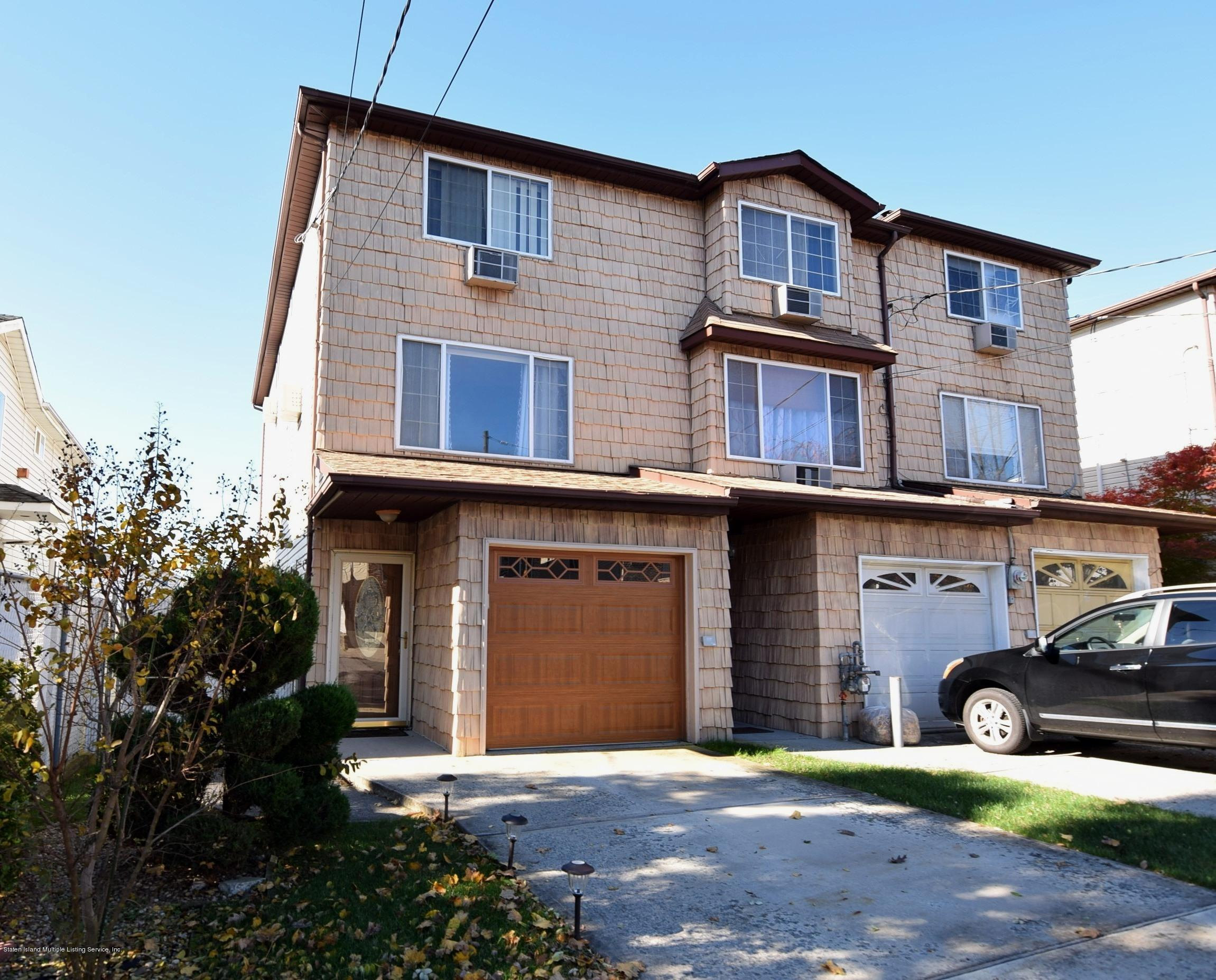 Single Family - Attached in Willowbrook - 140 Roosevelt Avenue  Staten Island, NY 10314