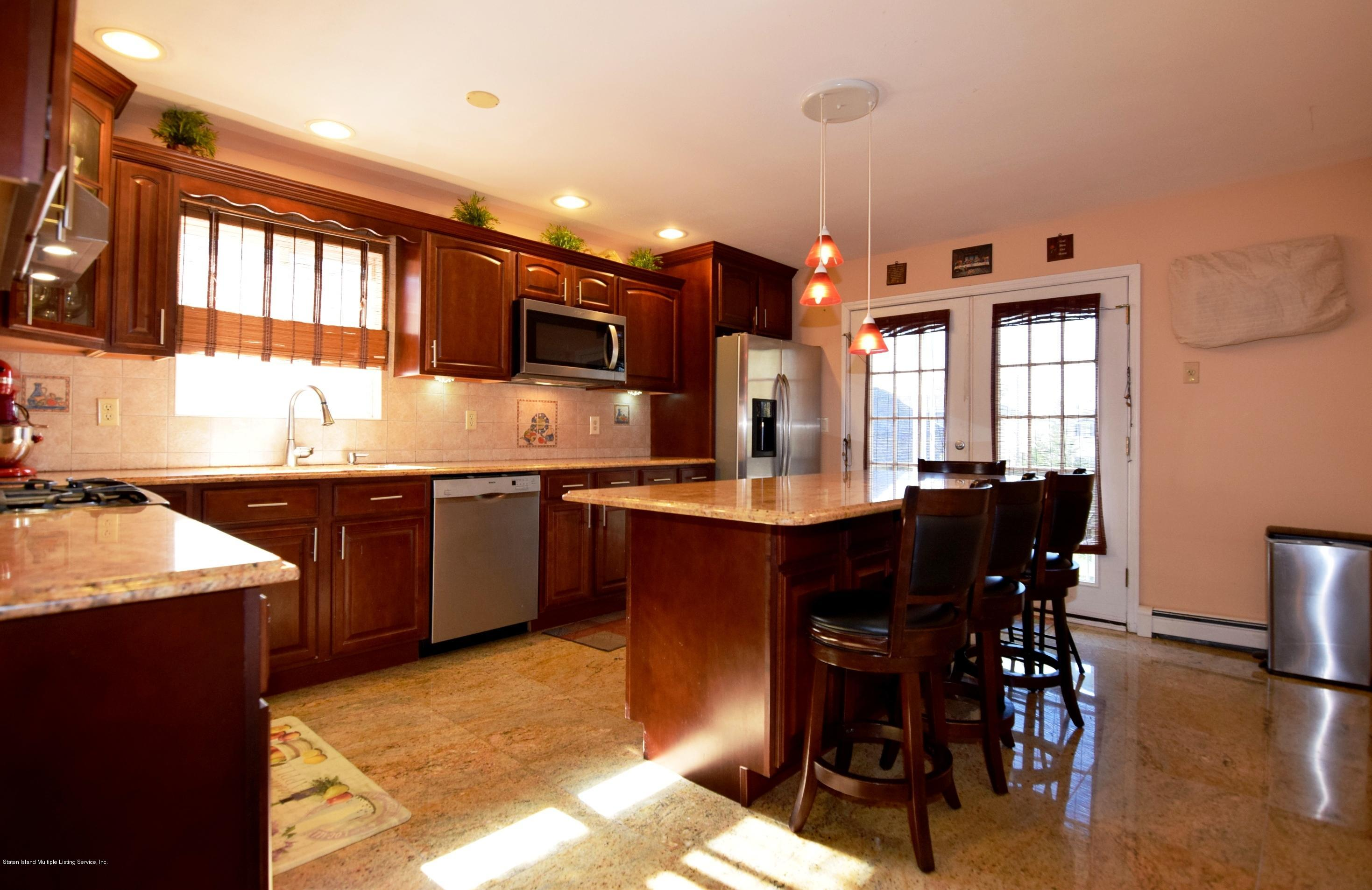 Single Family - Attached 140 Roosevelt Avenue  Staten Island, NY 10314, MLS-1124039-6