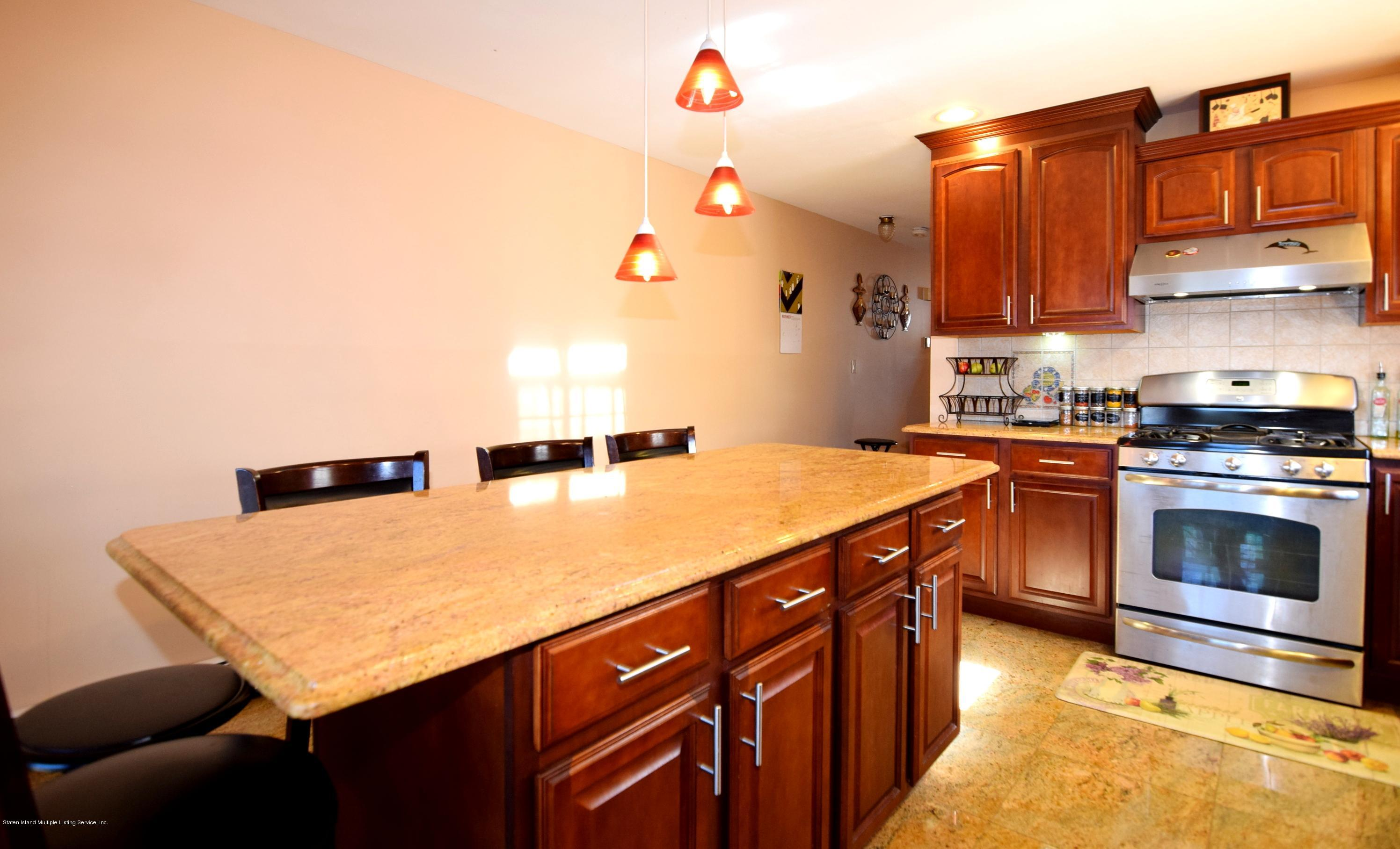 Single Family - Attached 140 Roosevelt Avenue  Staten Island, NY 10314, MLS-1124039-9