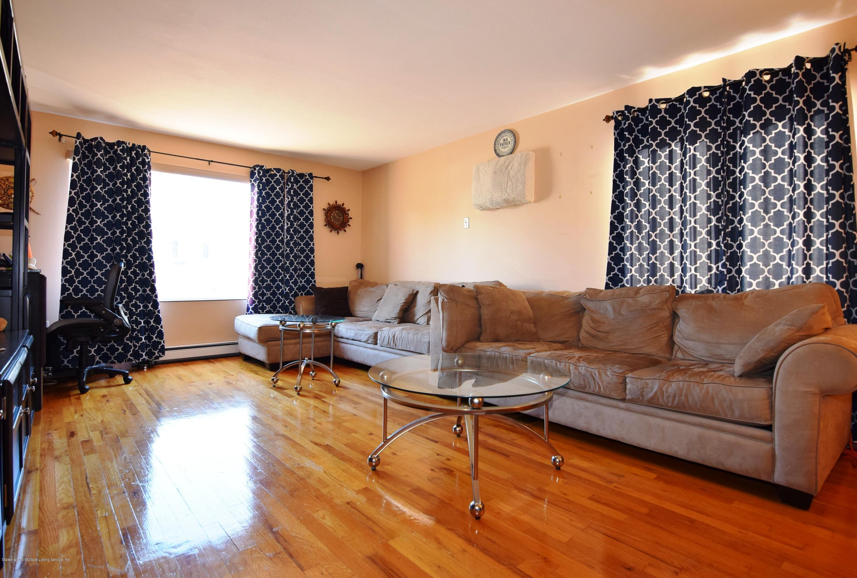 Single Family - Attached 140 Roosevelt Avenue  Staten Island, NY 10314, MLS-1124039-13