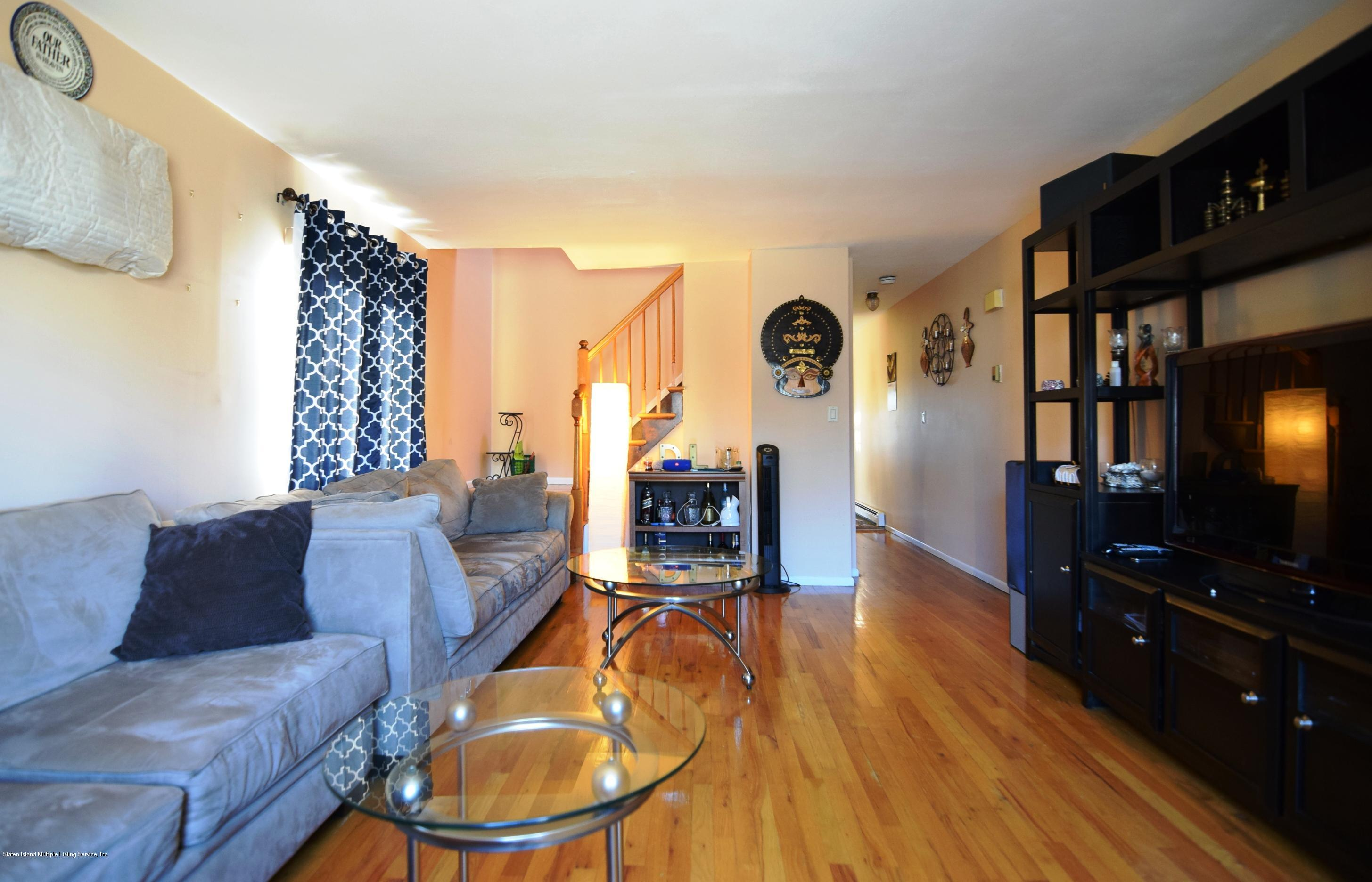 Single Family - Attached 140 Roosevelt Avenue  Staten Island, NY 10314, MLS-1124039-15