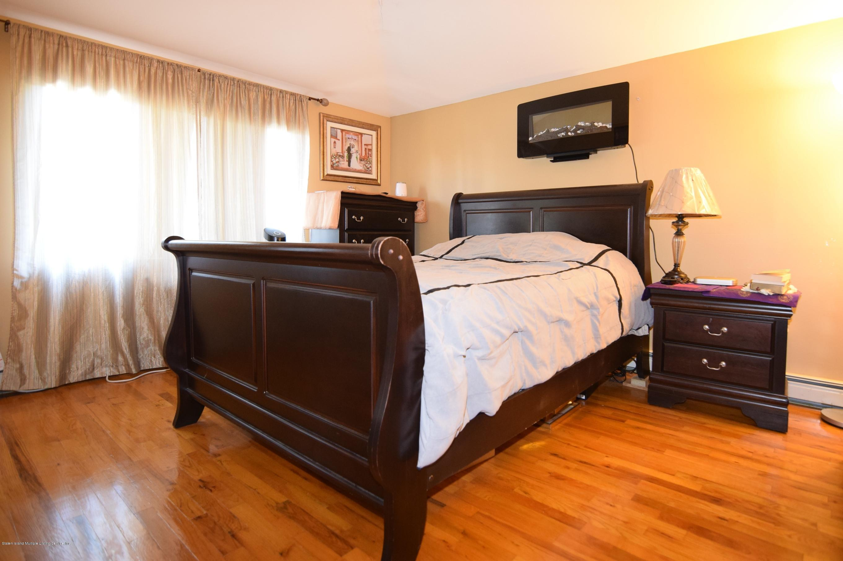 Single Family - Attached 140 Roosevelt Avenue  Staten Island, NY 10314, MLS-1124039-16