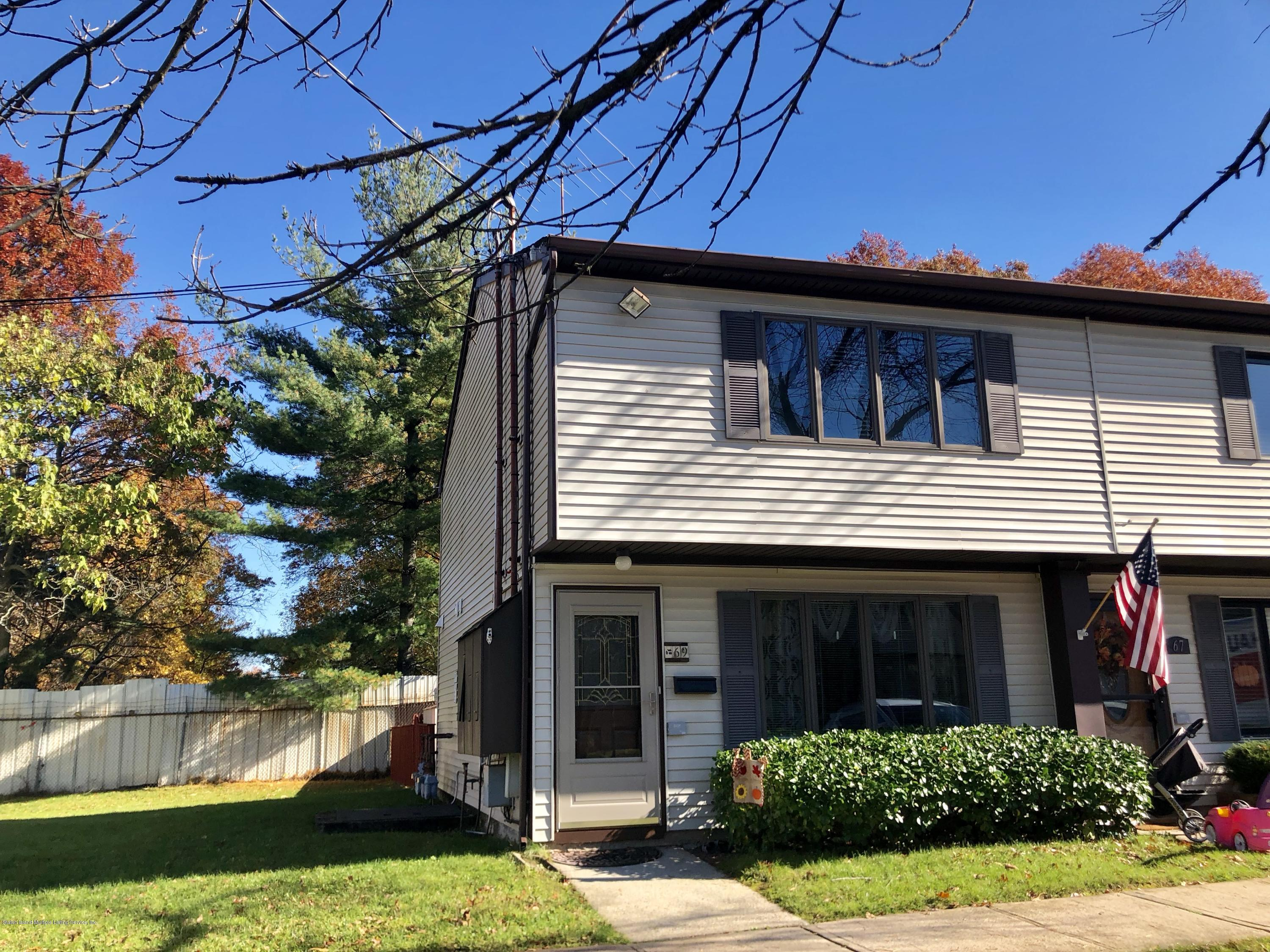 Single Family - Attached in Huguenot - 69 Bunnell Court  Staten Island, NY 10312