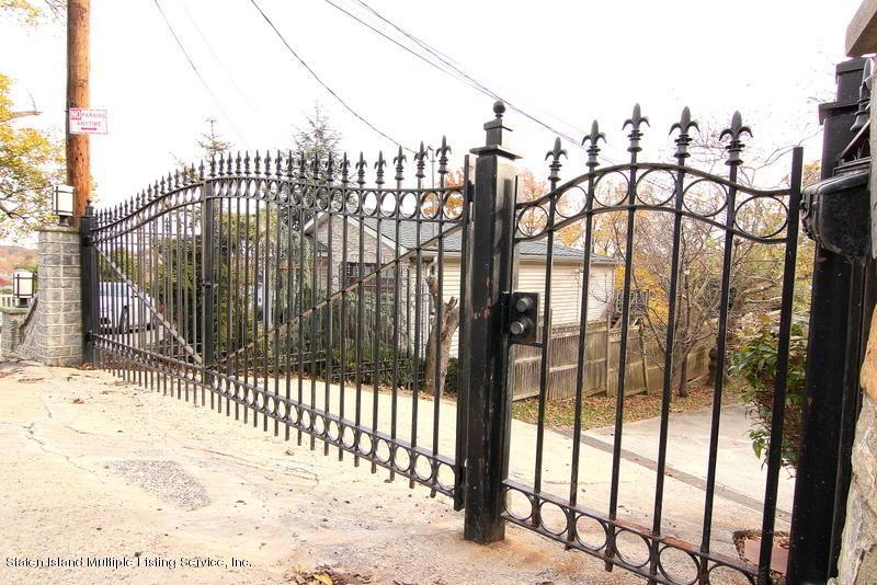Single Family - Detached 44 Douglas Road  Staten Island, NY 10304, MLS-1124204-2