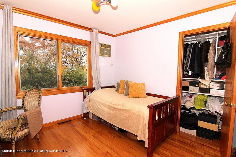 Single Family - Detached 44 Douglas Road  Staten Island, NY 10304, MLS-1124204-31