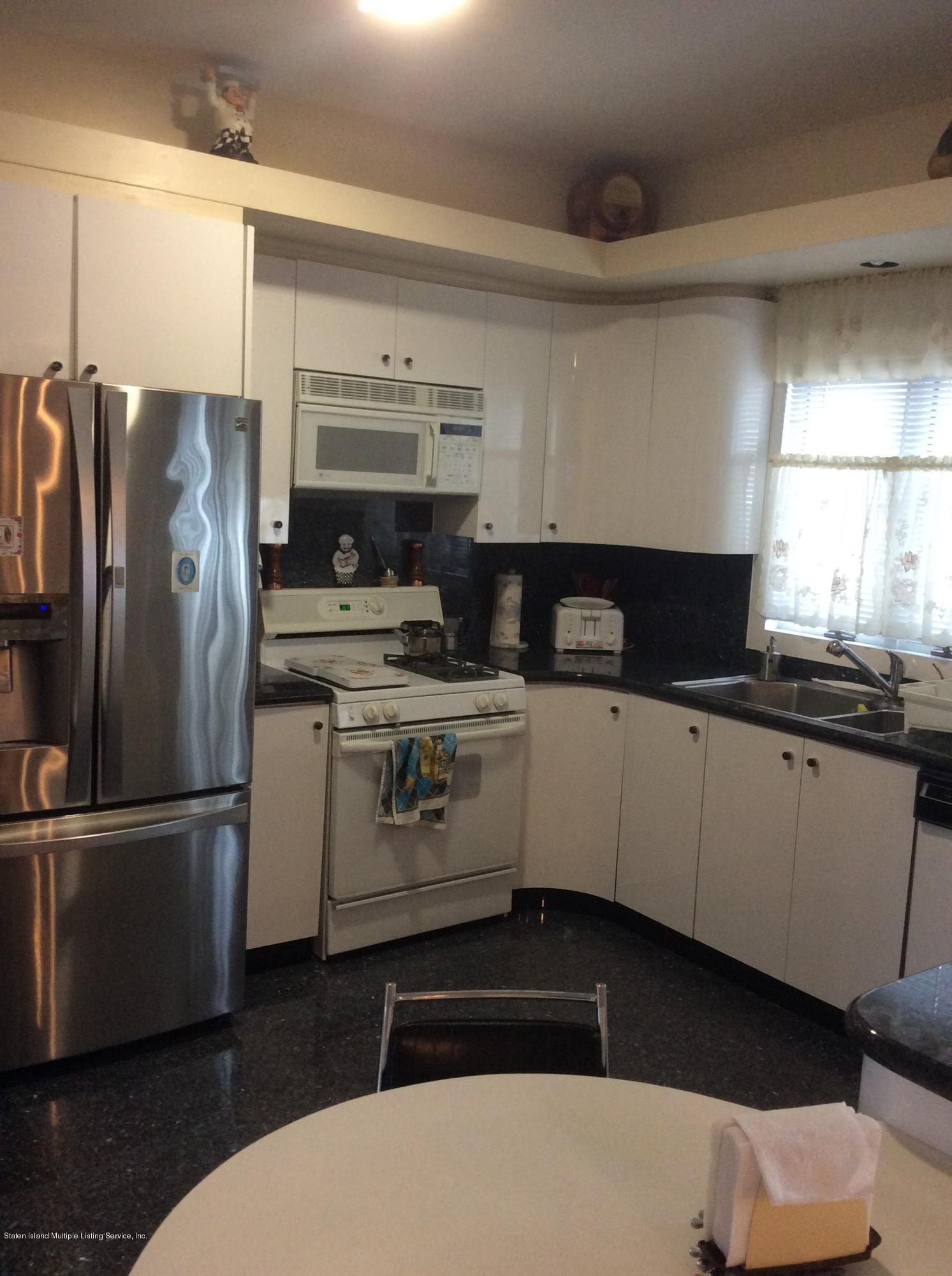 96 Cordelia Avenue,Staten Island,New York,10309,United States,4 Bedrooms Bedrooms,8 Rooms Rooms,3 BathroomsBathrooms,Residential,Cordelia,1124675