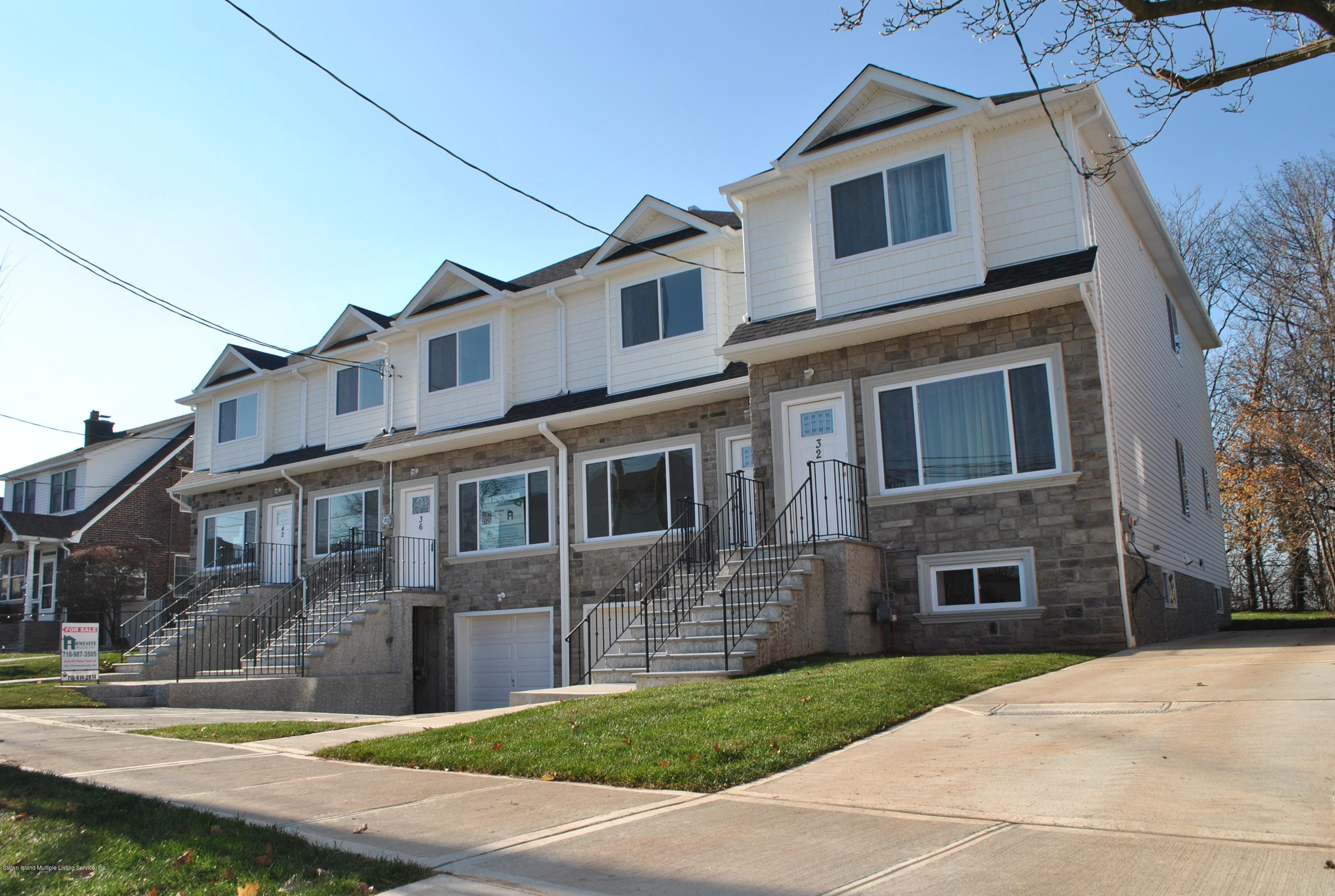 Single Family - Attached in Graniteville - 32 Eunice Place   Staten Island, NY 10303
