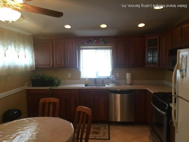 Two Family - Detached 73 Dexter Avenue  Staten Island, NY 10309, MLS-1124805-4