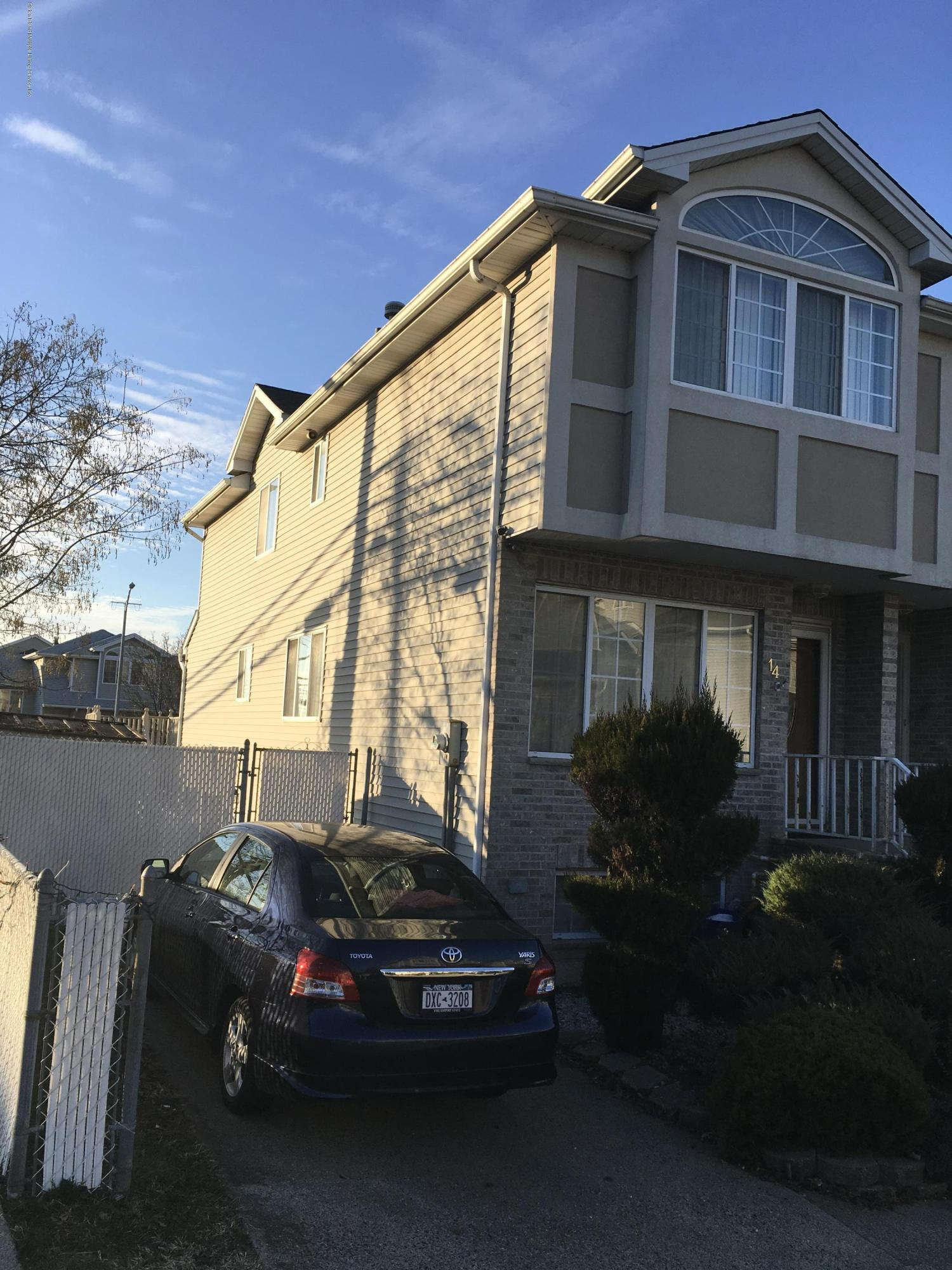 Single Family - Semi-Attached 14 Latourette Lane  Staten Island, NY 10314, MLS-1124936-2