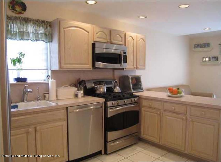 Single Family - Semi-Attached 14 Latourette Lane  Staten Island, NY 10314, MLS-1124936-7