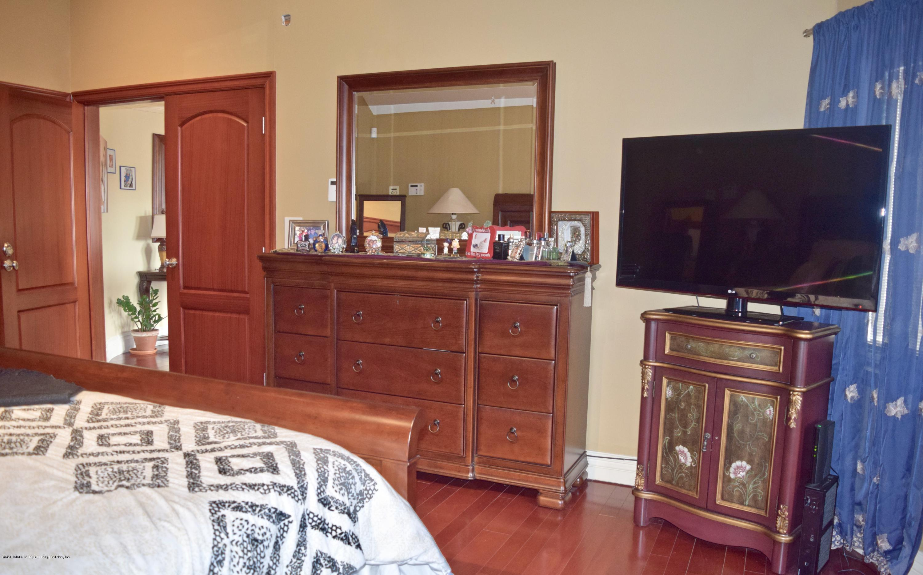 Single Family - Detached 107 Northern Boulevard  Staten Island, NY 10301, MLS-1124986-13