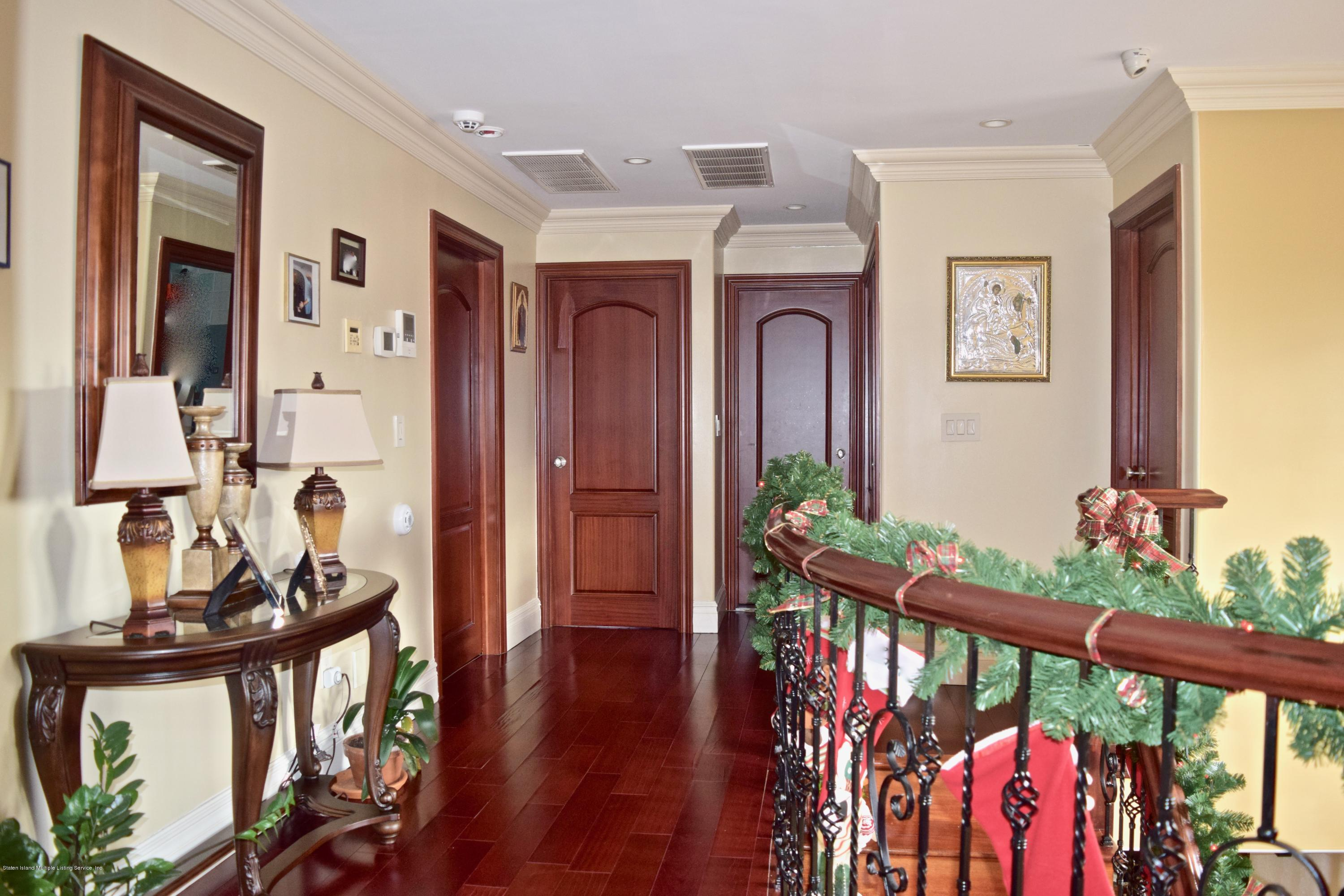 Single Family - Detached 107 Northern Boulevard  Staten Island, NY 10301, MLS-1124986-10