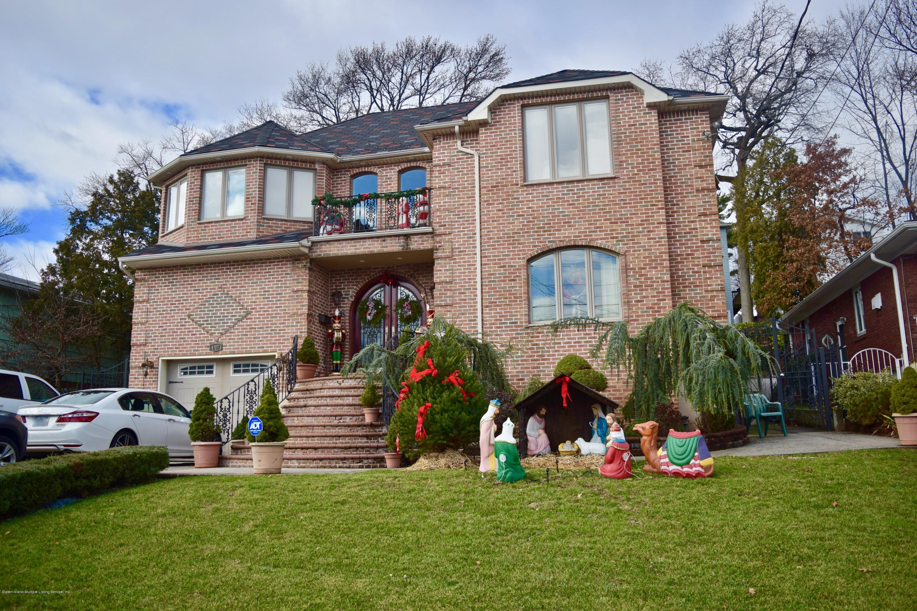 Single Family - Detached in Sunnyside - 107 Northern Boulevard  Staten Island, NY 10301