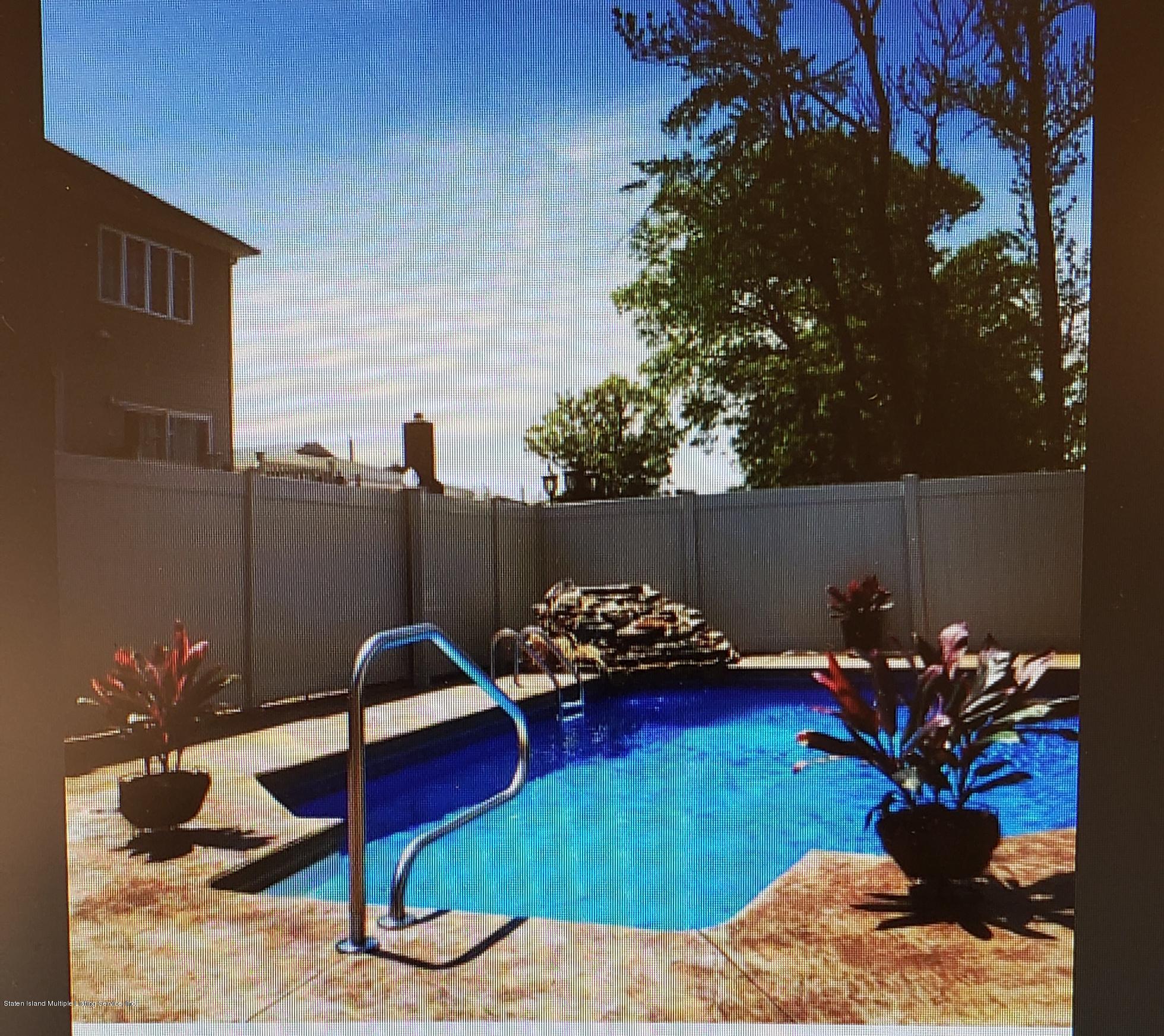 Single Family - Detached 1807 Carlton Avenue  Staten Island, NY 10309, MLS-1125032-13