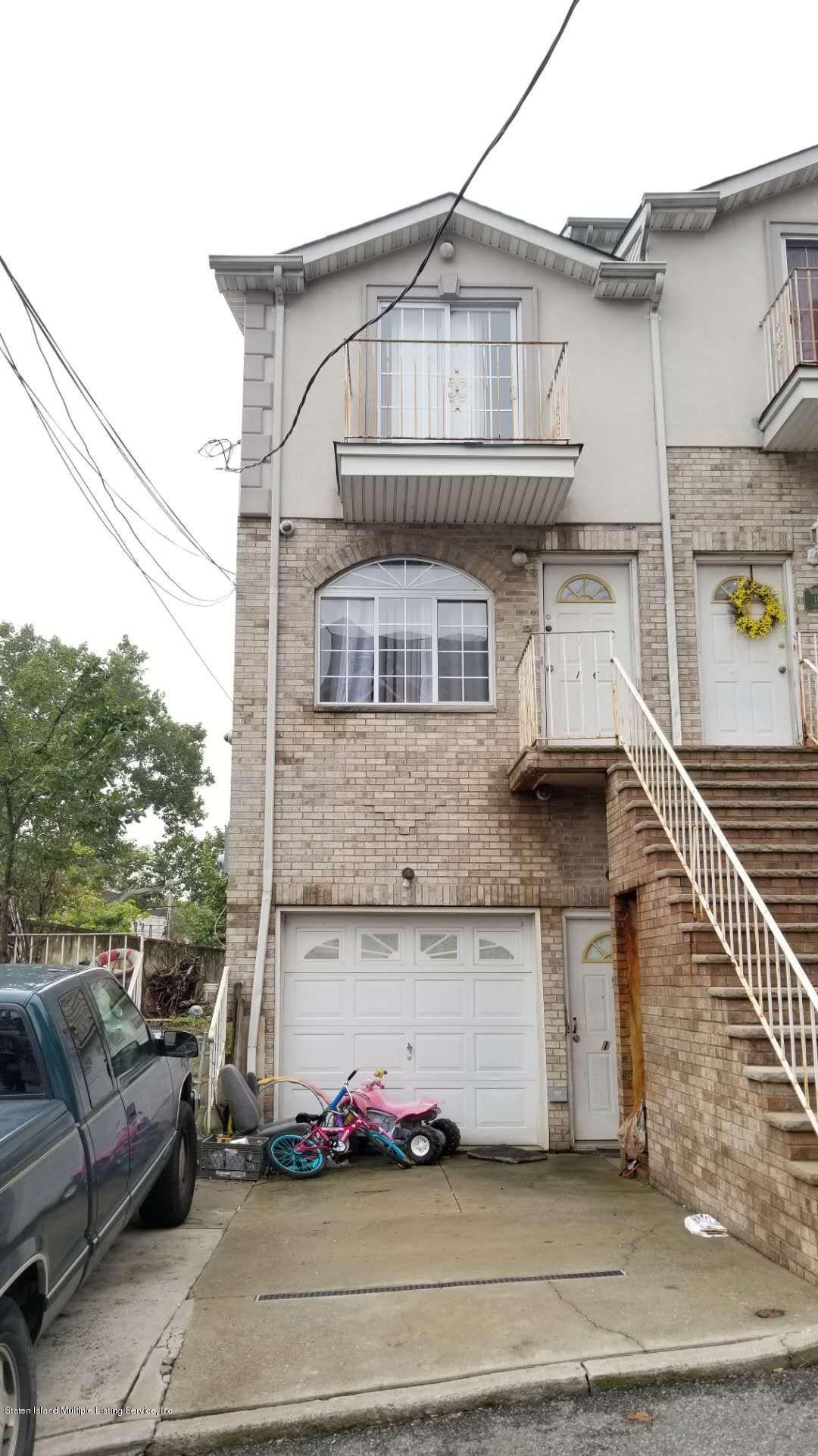 16 Jake Court,Staten Island,New York,10304,United States,4 Bedrooms Bedrooms,7 Rooms Rooms,3 BathroomsBathrooms,Residential,Jake,1124246