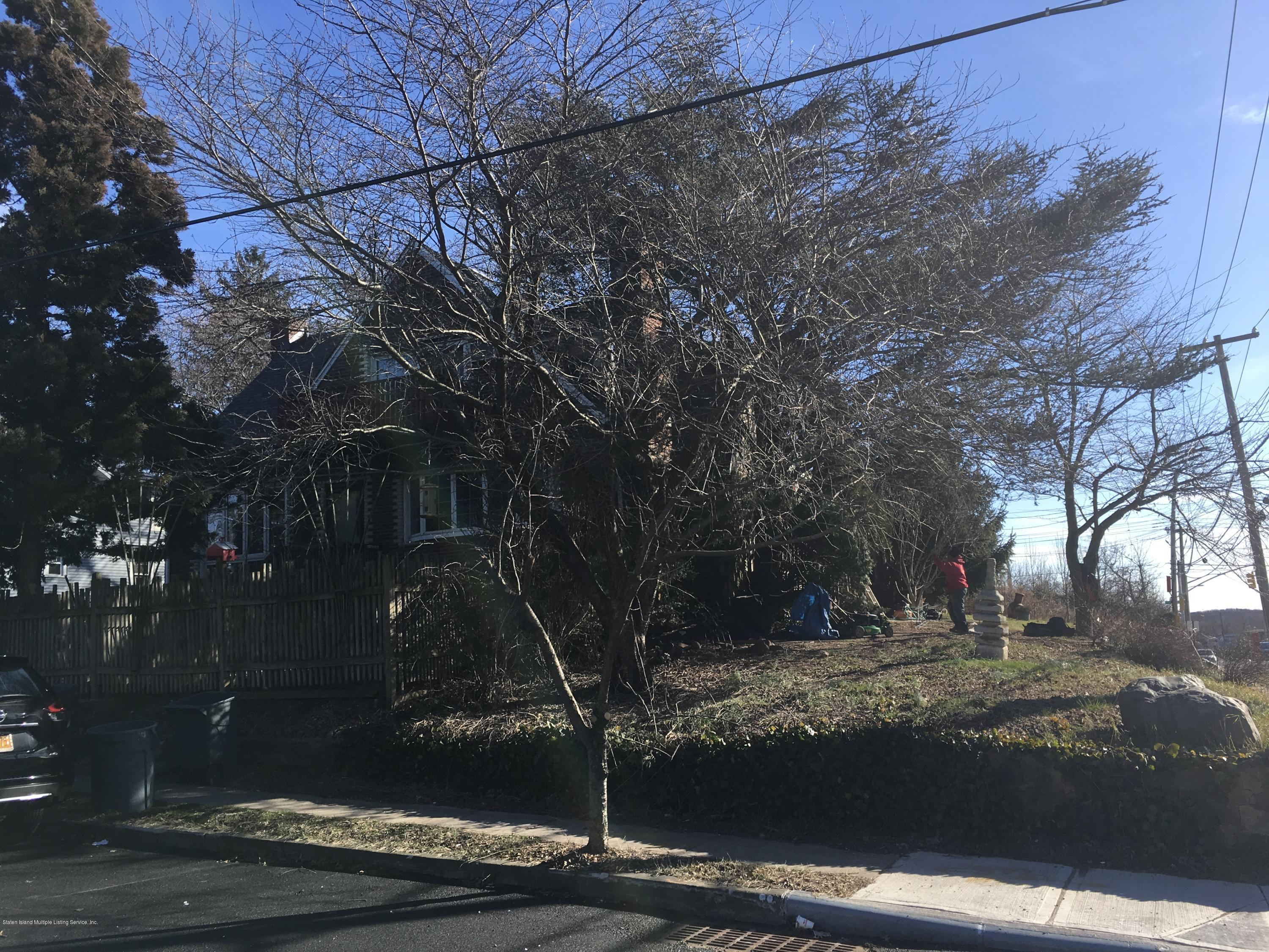 Two Family - Detached in Huguenot - 743 Huguenot Avenue  Staten Island, NY 10312