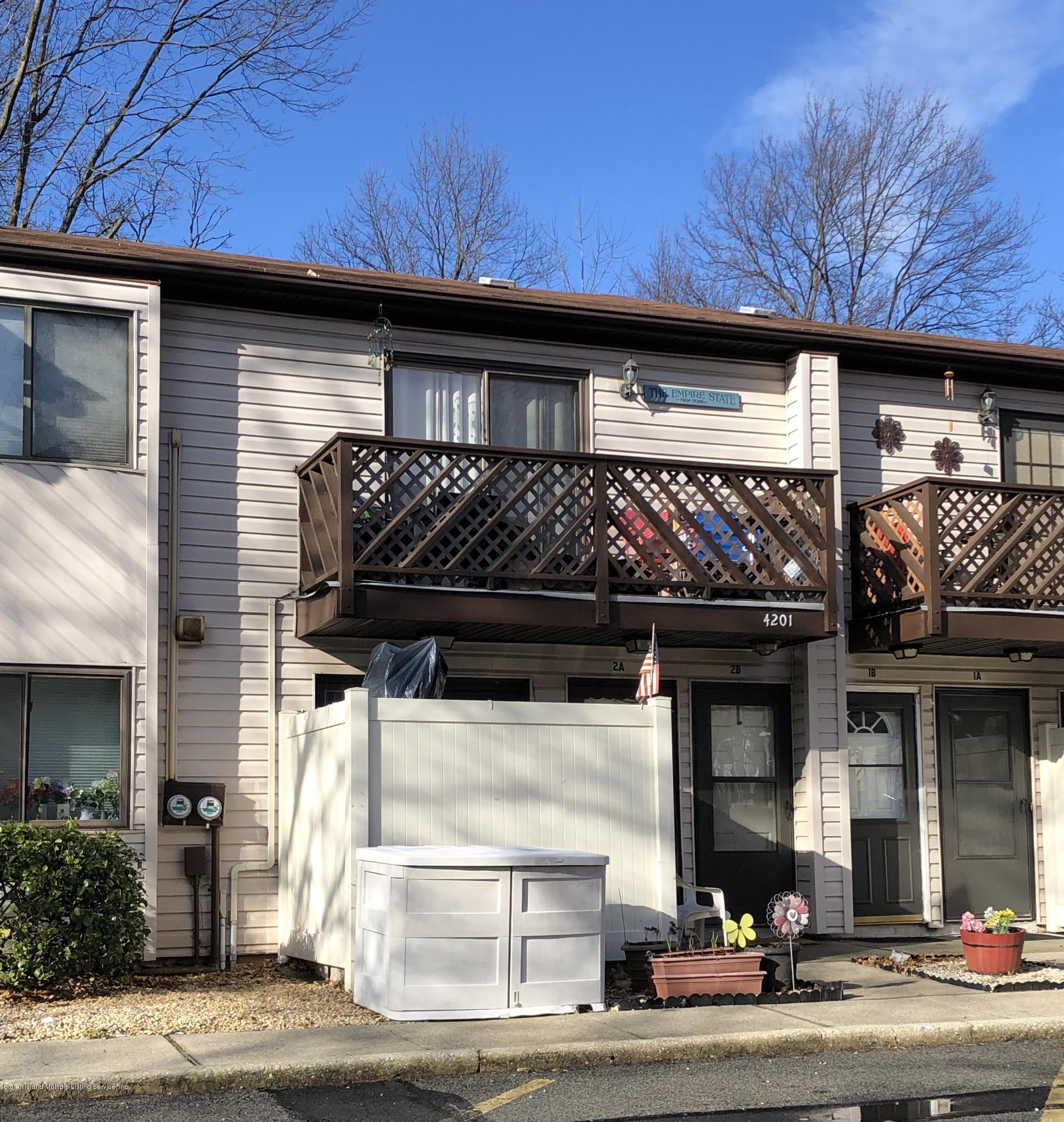 Condo in Great Kills - 4201 Amboy Road 2b  Staten Island, NY 10308