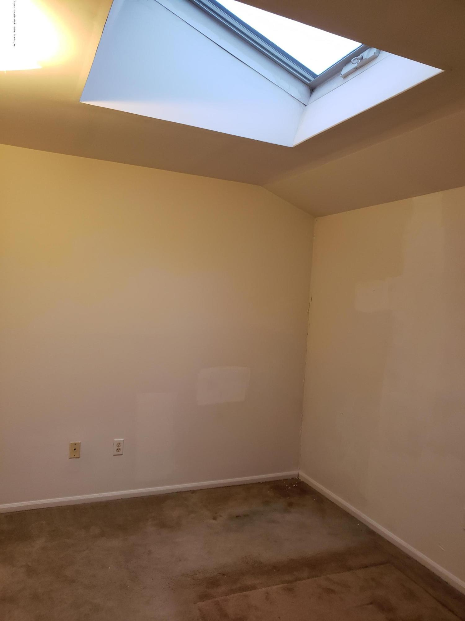 Single Family - Attached 42 Leewood Loop  Staten Island, NY 10304, MLS-1125781-18
