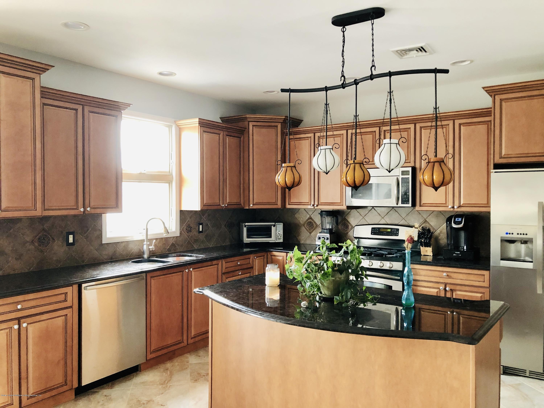Single Family - Detached 1807 Carlton Avenue  Staten Island, NY 10309, MLS-1125032-21