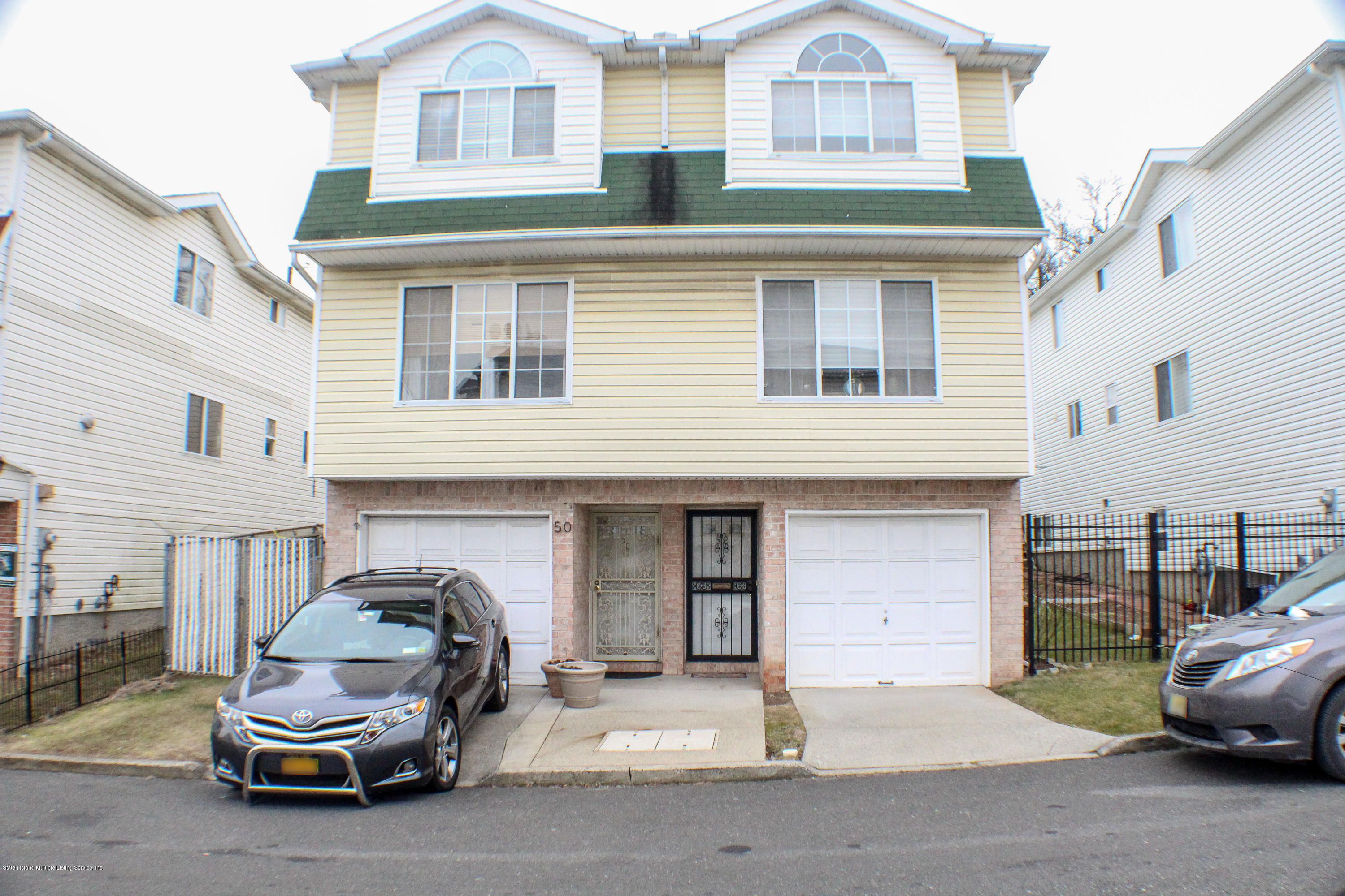 Single Family - Semi-Attached 52 Belair Lane  Staten Island, NY 10305, MLS-1126177-2