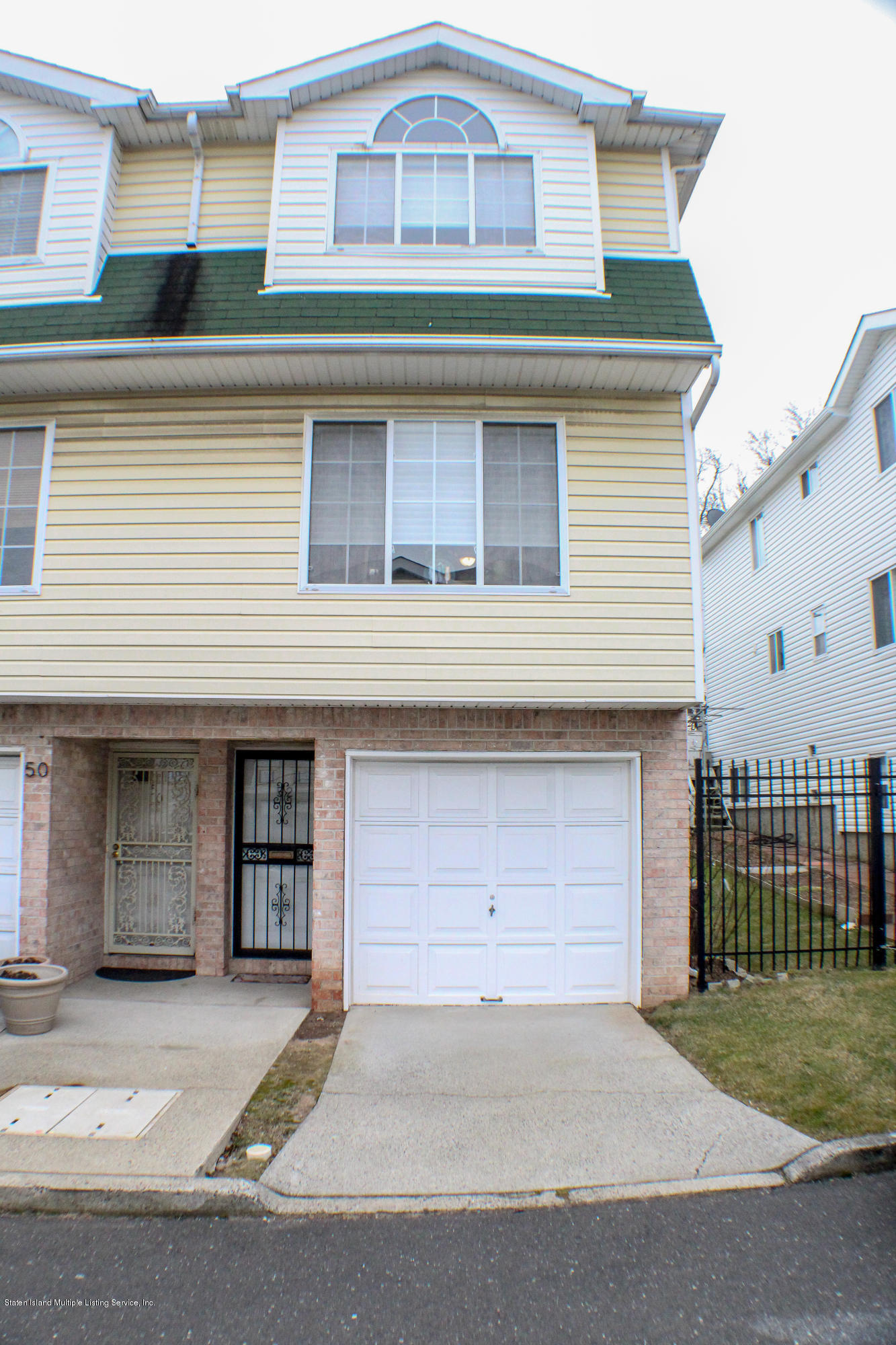 Single Family - Semi-Attached 52 Belair Lane  Staten Island, NY 10305, MLS-1126177-3