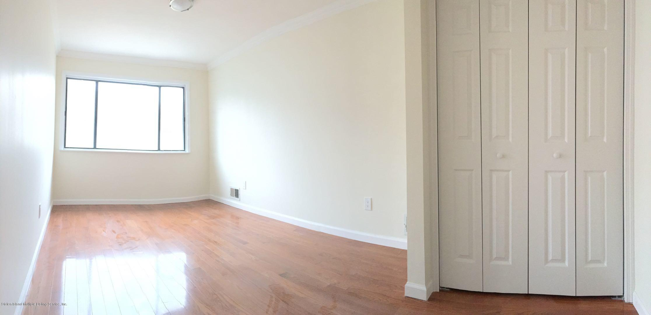 A 693 Elbe Avenue,Staten Island,New York,10304,United States,2 Bedrooms Bedrooms,4 Rooms Rooms,1 BathroomBathrooms,Residential,Elbe,1126414