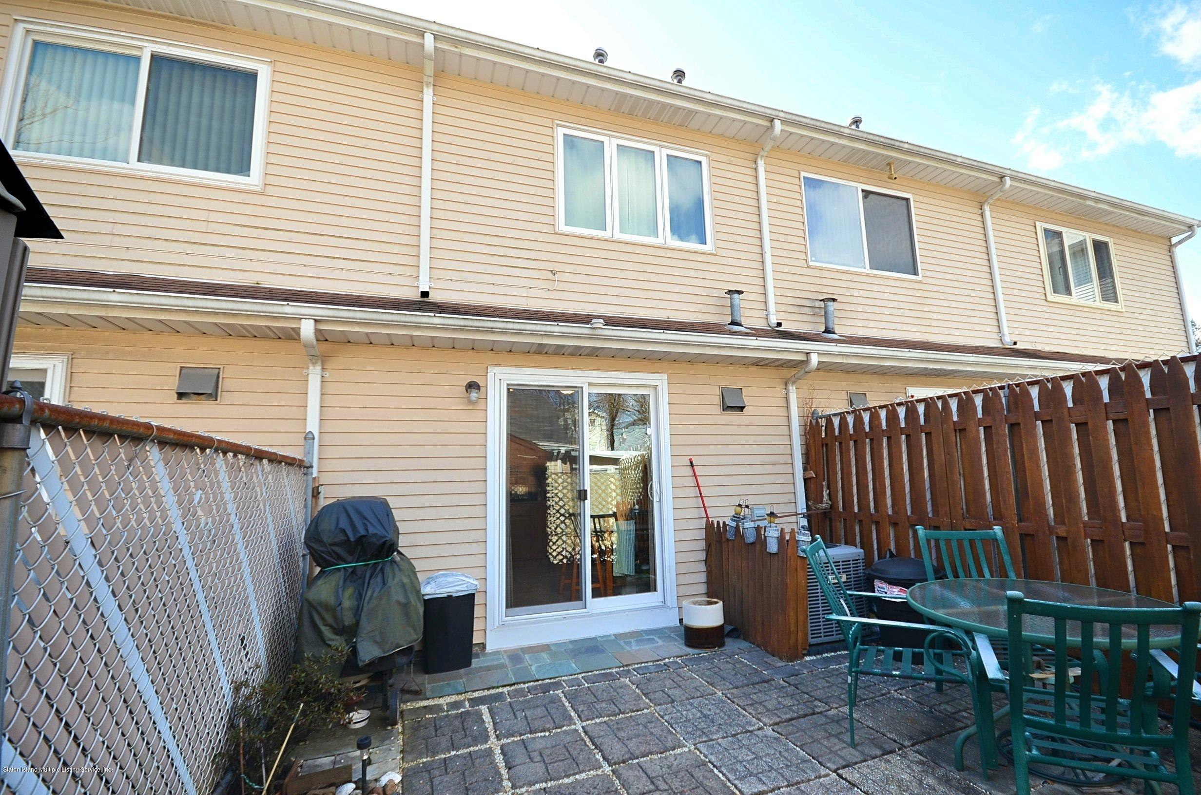 Single Family - Attached 5 Nugent Court  Staten Island, NY 10306, MLS-1126510-22