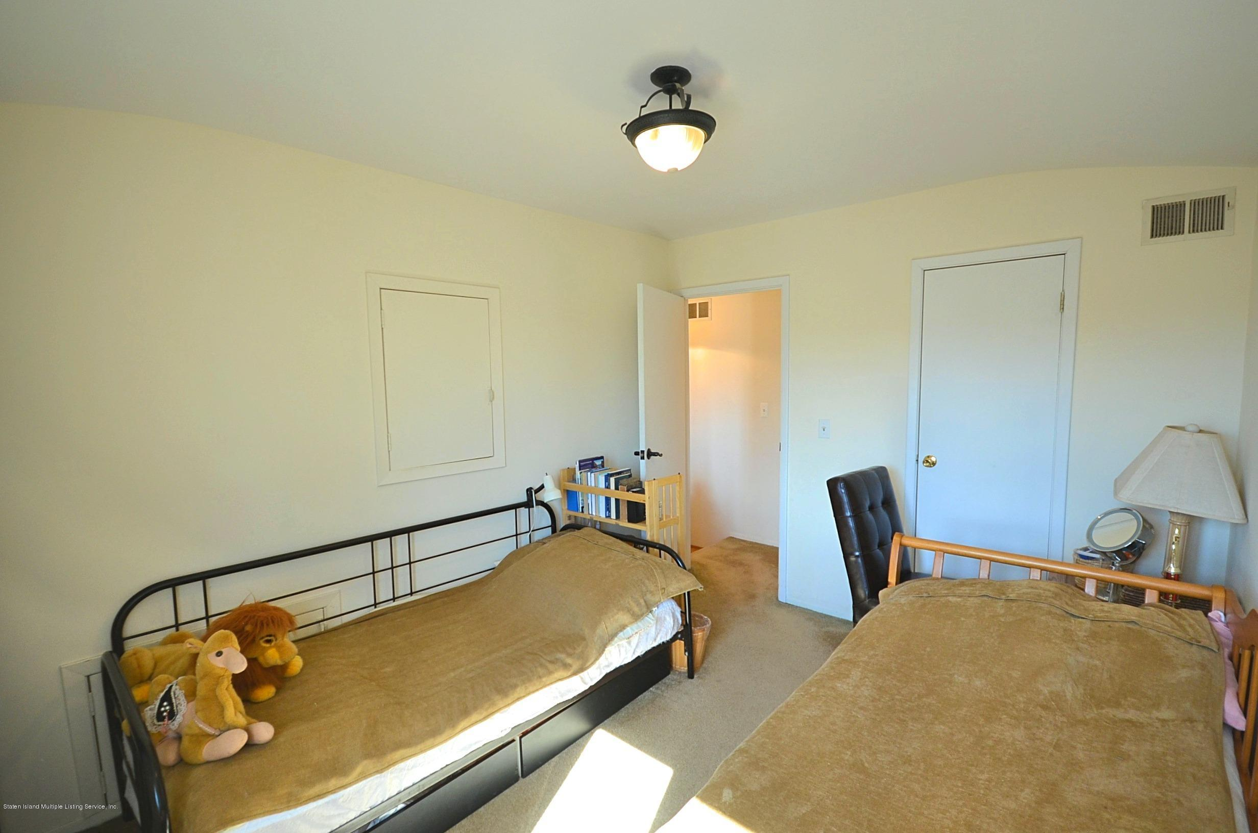 Single Family - Attached 5 Nugent Court  Staten Island, NY 10306, MLS-1126510-20