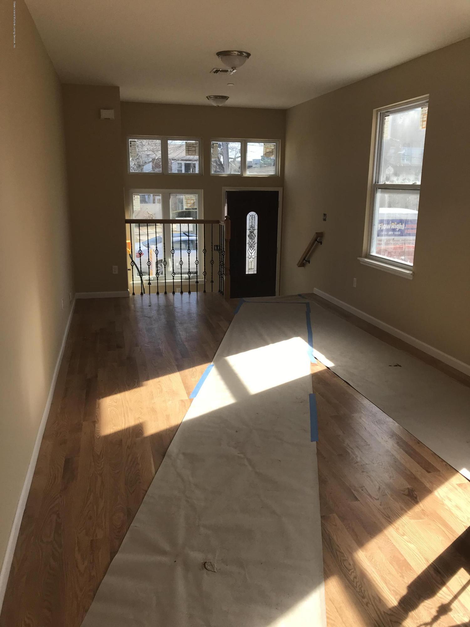 Single Family - Semi-Attached 207 Cedar Avenue  Staten Island, NY 10305, MLS-1125320-3