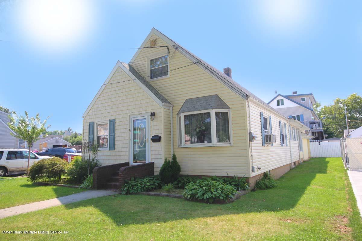 Single Family - Detached in Westerleigh - 152 Bryson Avenue  Staten Island, NY 10302
