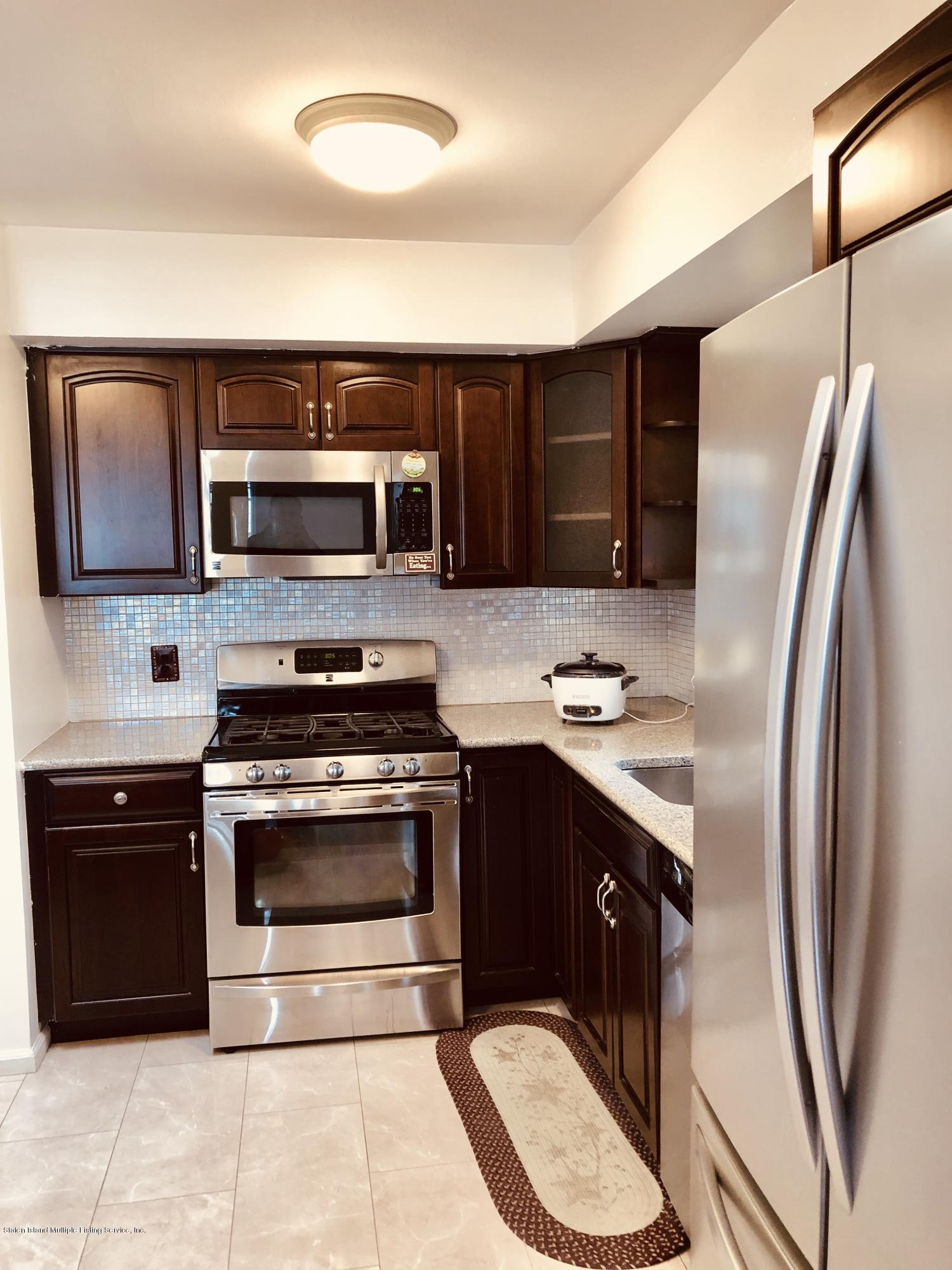 197 Spratt Avenue,Staten Island,New York,10306,United States,3 Bedrooms Bedrooms,6 Rooms Rooms,1 BathroomBathrooms,Res-Rental,Spratt,1127758