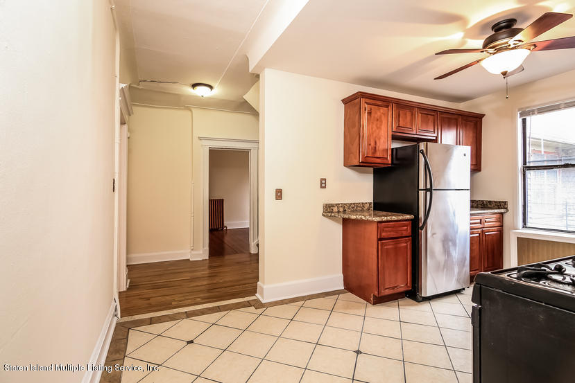 135 St Marks Place,Staten Island,New York,10301,United States,2 Bedrooms Bedrooms,6 Rooms Rooms,2 BathroomsBathrooms,Res-Rental,St Marks,1127918
