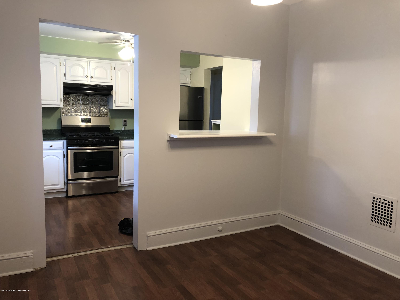 71 Raymond Place,Staten Island,New York,10310,United States,2 Bedrooms Bedrooms,5 Rooms Rooms,1 BathroomBathrooms,Res-Rental,Raymond,1128021