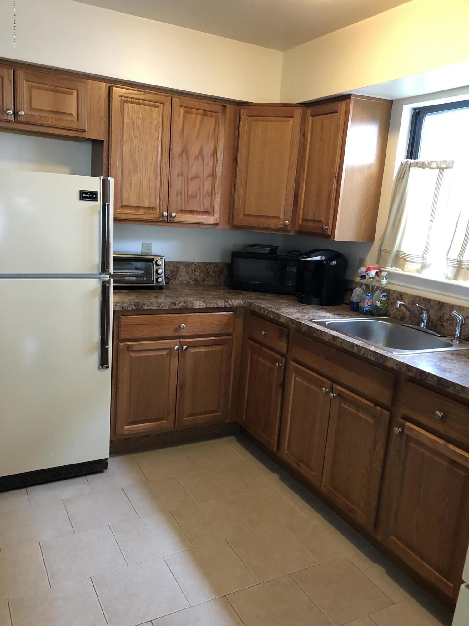 275 Eltingville Boulevard,Staten Island,New York,10312,United States,1 Bedroom Bedrooms,3 Rooms Rooms,1 BathroomBathrooms,Res-Rental,Eltingville,1128155