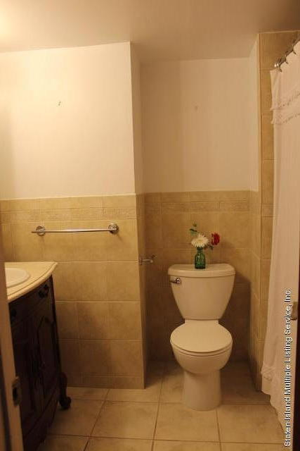 12 Parkview Loop,Staten Island,New York,10314,United States,3 Bedrooms Bedrooms,7 Rooms Rooms,3 BathroomsBathrooms,Residential,Parkview,1125469