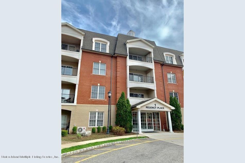 1 Regency Place Woodbridge New Jersey 07095 Single Family Homes For Sale