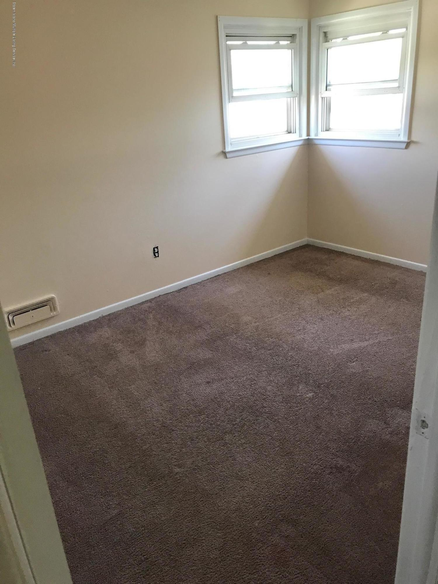 477 Tysens Lane,Staten Island,New York,10306,United States,3 Bedrooms Bedrooms,6 Rooms Rooms,1 BathroomBathrooms,Res-Rental,Tysens,1128778