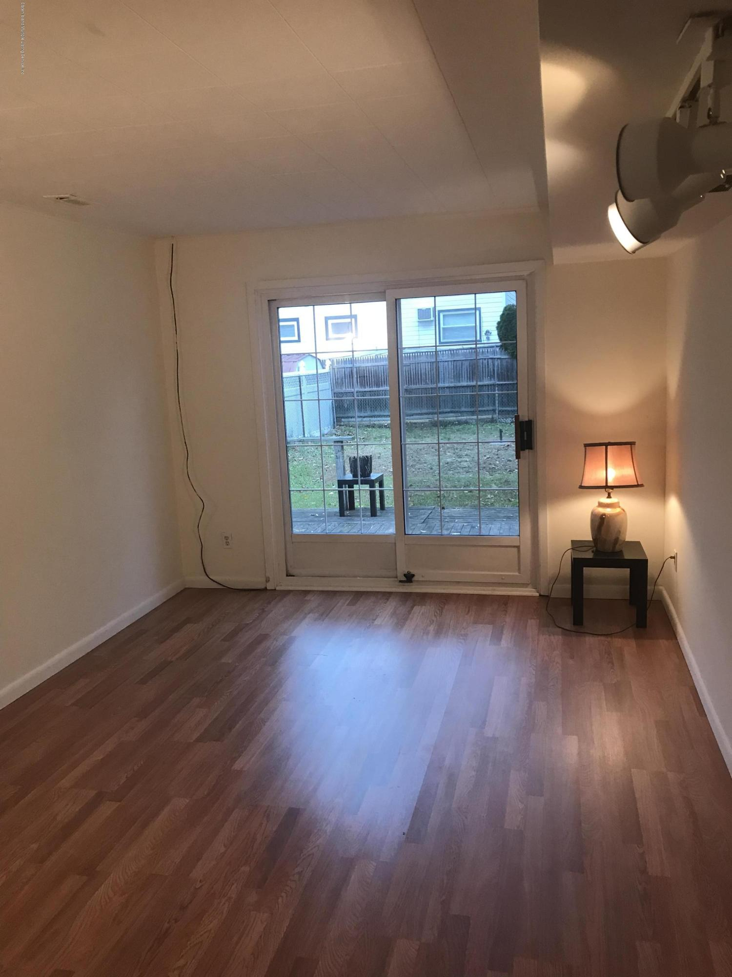 101 Greaves Avenue,Staten Island,New York,10308,United States,1 Bedroom Bedrooms,3 Rooms Rooms,1 BathroomBathrooms,Res-Rental,Greaves,1128894