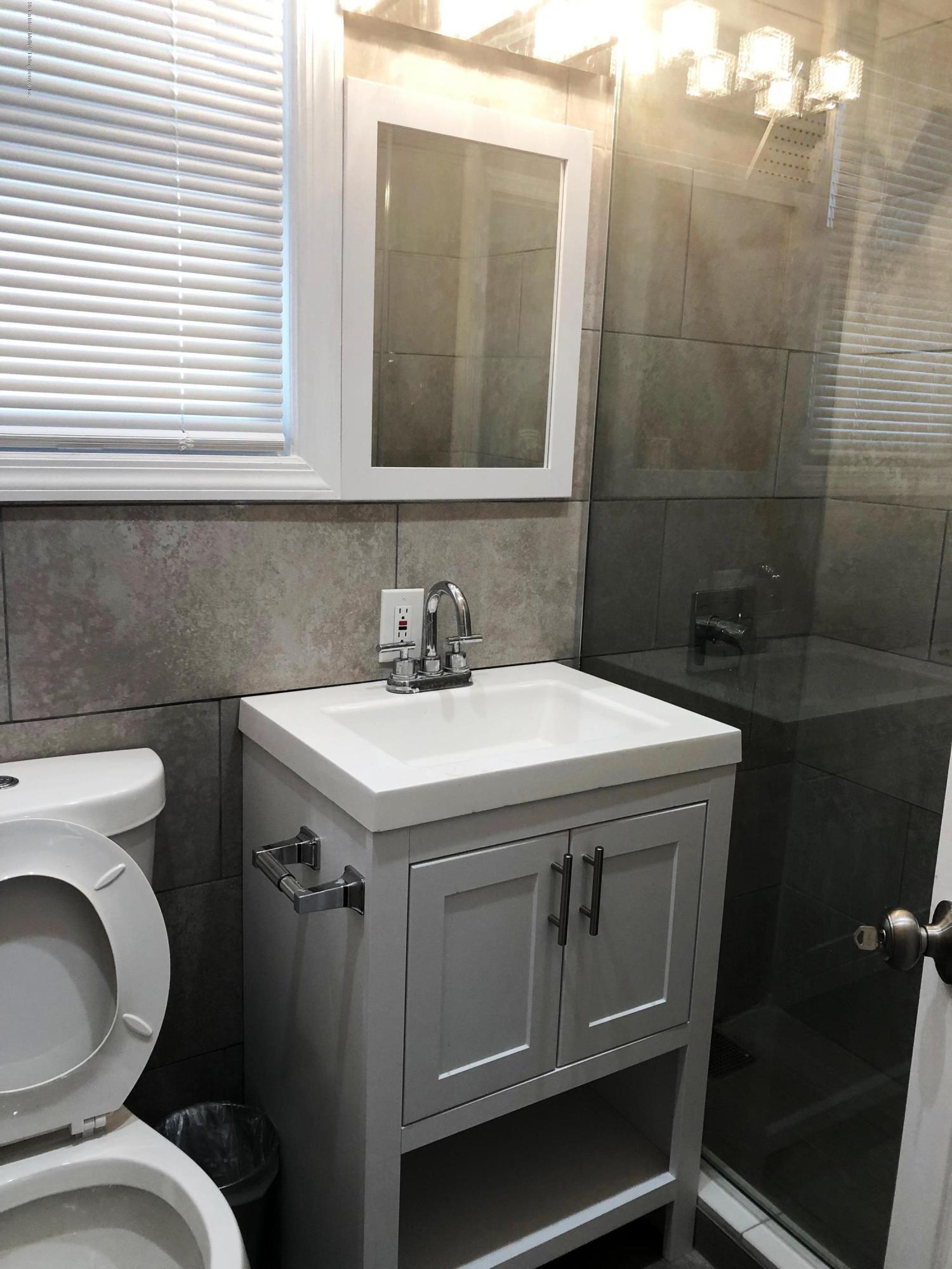 2fl 37 Scarboro Avenue,Staten Island,New York,10305,United States,3 Bedrooms Bedrooms,6 Rooms Rooms,1 BathroomBathrooms,Res-Rental,Scarboro,1128947