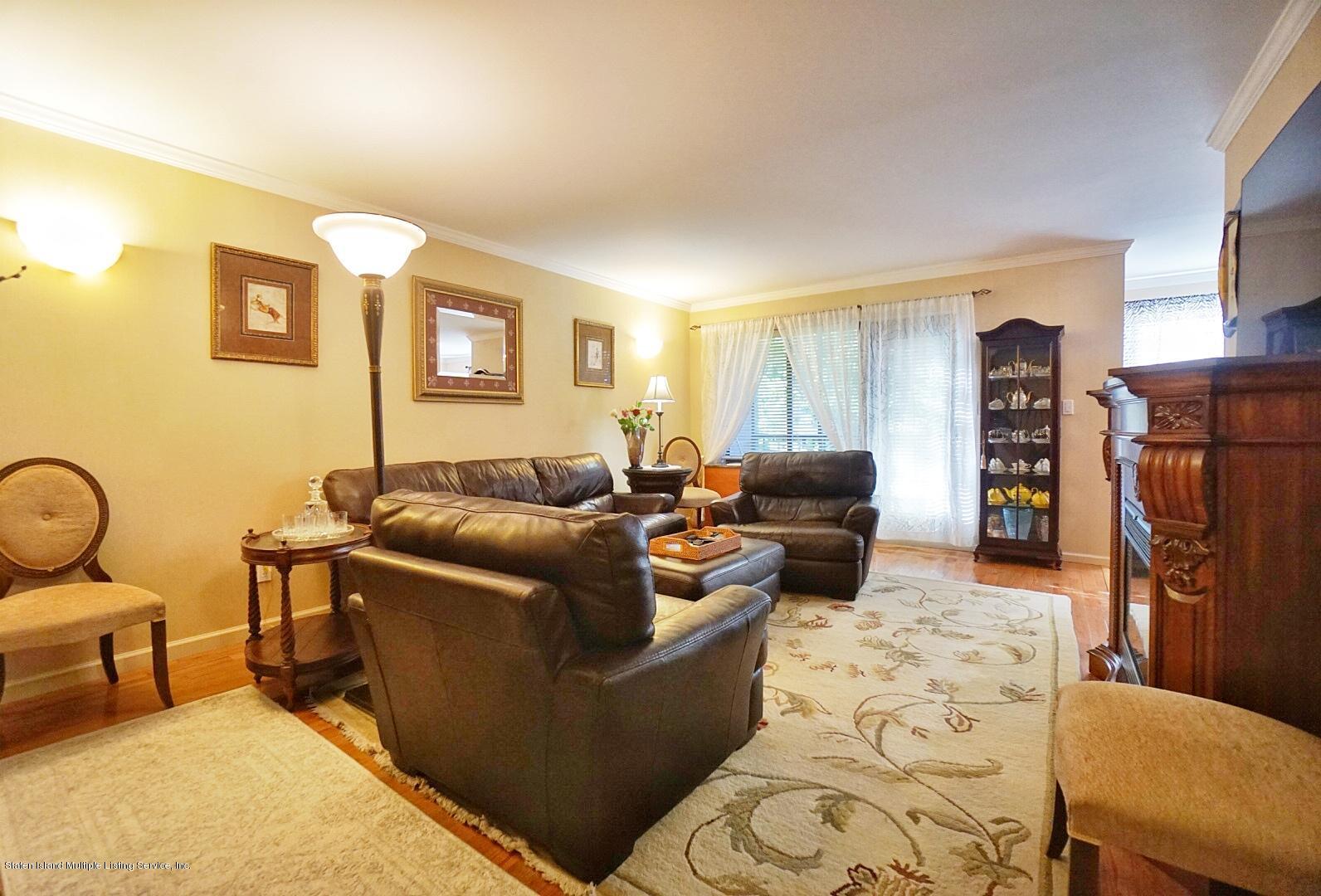 1f 40 Wellington Court,Staten Island,New York,10314,United States,2 Bedrooms Bedrooms,6 Rooms Rooms,2 BathroomsBathrooms,Residential,Wellington,1128970