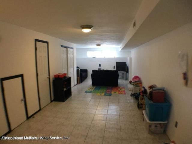 23 Don Court,Staten Island,New York,10312,United States,3 Bedrooms Bedrooms,6 Rooms Rooms,4 BathroomsBathrooms,Res-Rental,Don,1129231