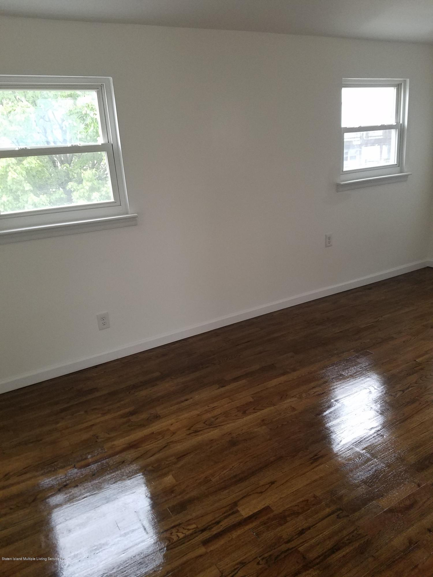 47 Kingsbridge Avenue,Staten Island,New York,10314,United States,3 Bedrooms Bedrooms,6 Rooms Rooms,3 BathroomsBathrooms,Res-Rental,Kingsbridge,1129270